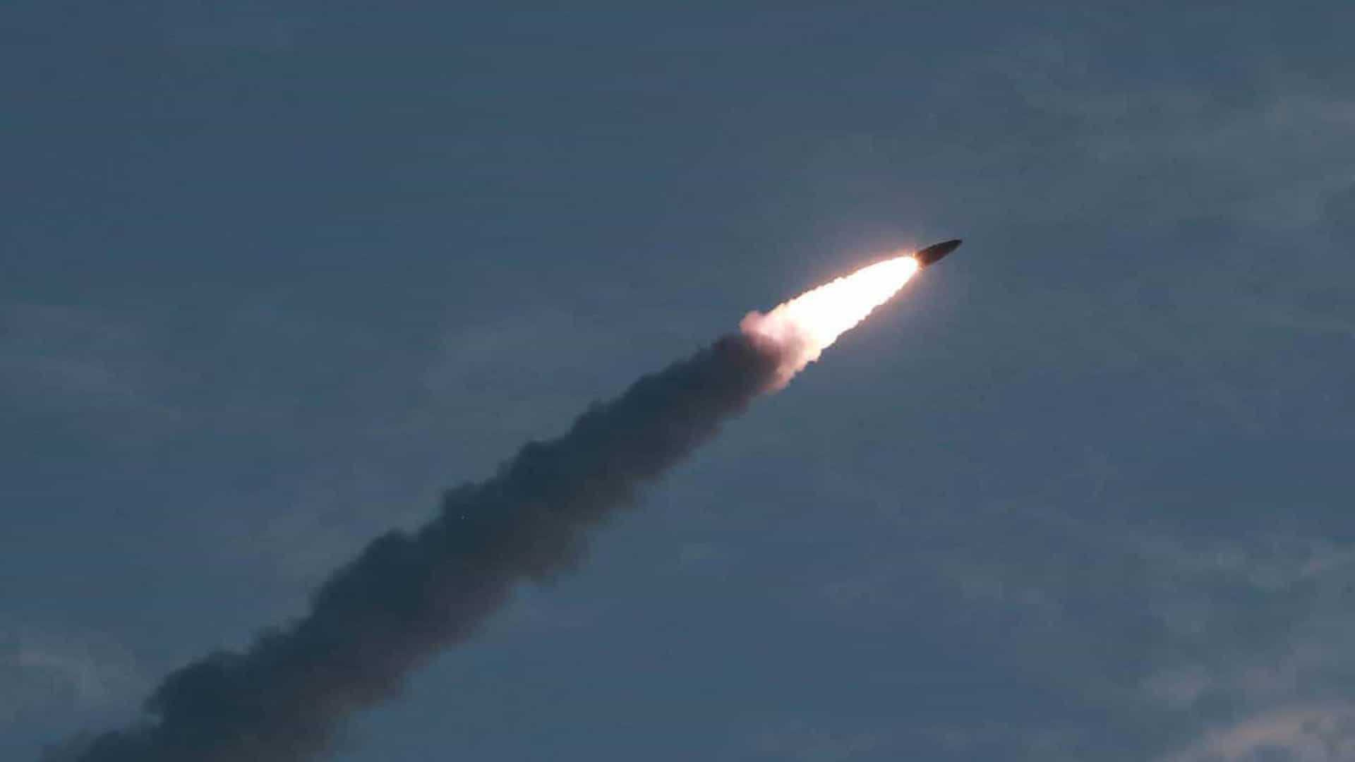 EUA afirmam que míssil norte-coreano não foi disparado de submarino