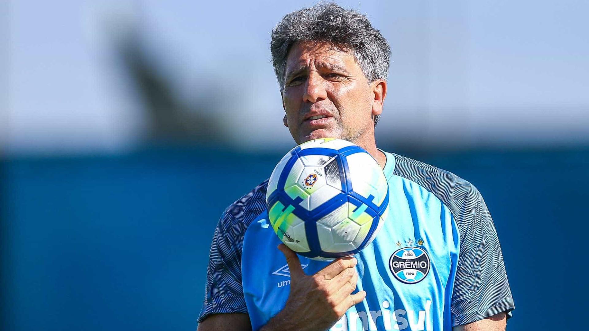 Gaúcho fecha treino, mas Grêmio deve ter Geromel, Kannemann e Alisson