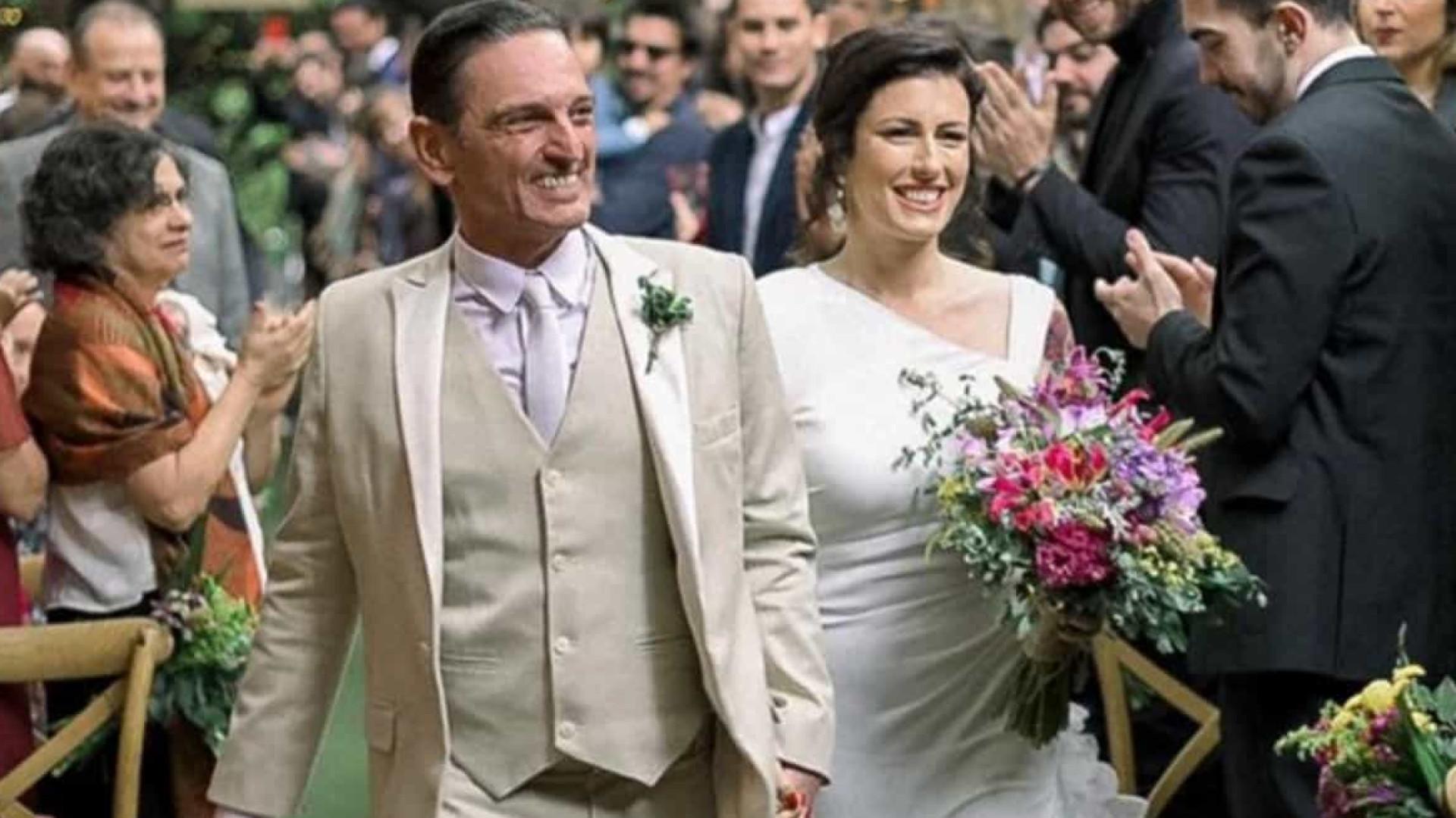 Paulo Miklos e Renata Galvão se casam em cerimônia para 200 convidados