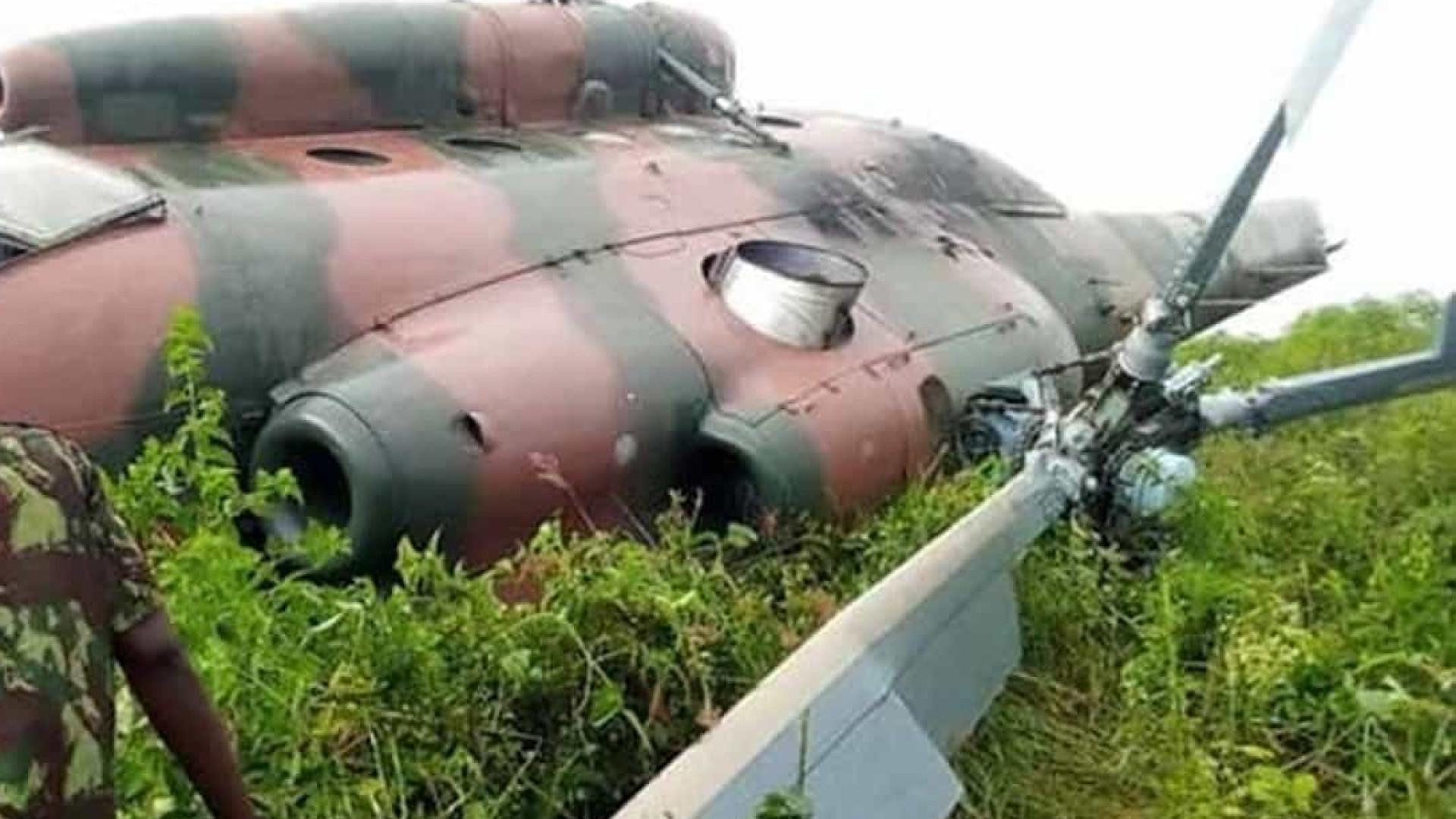 Helicóptero militar de Taiwan cai causando oito mortes