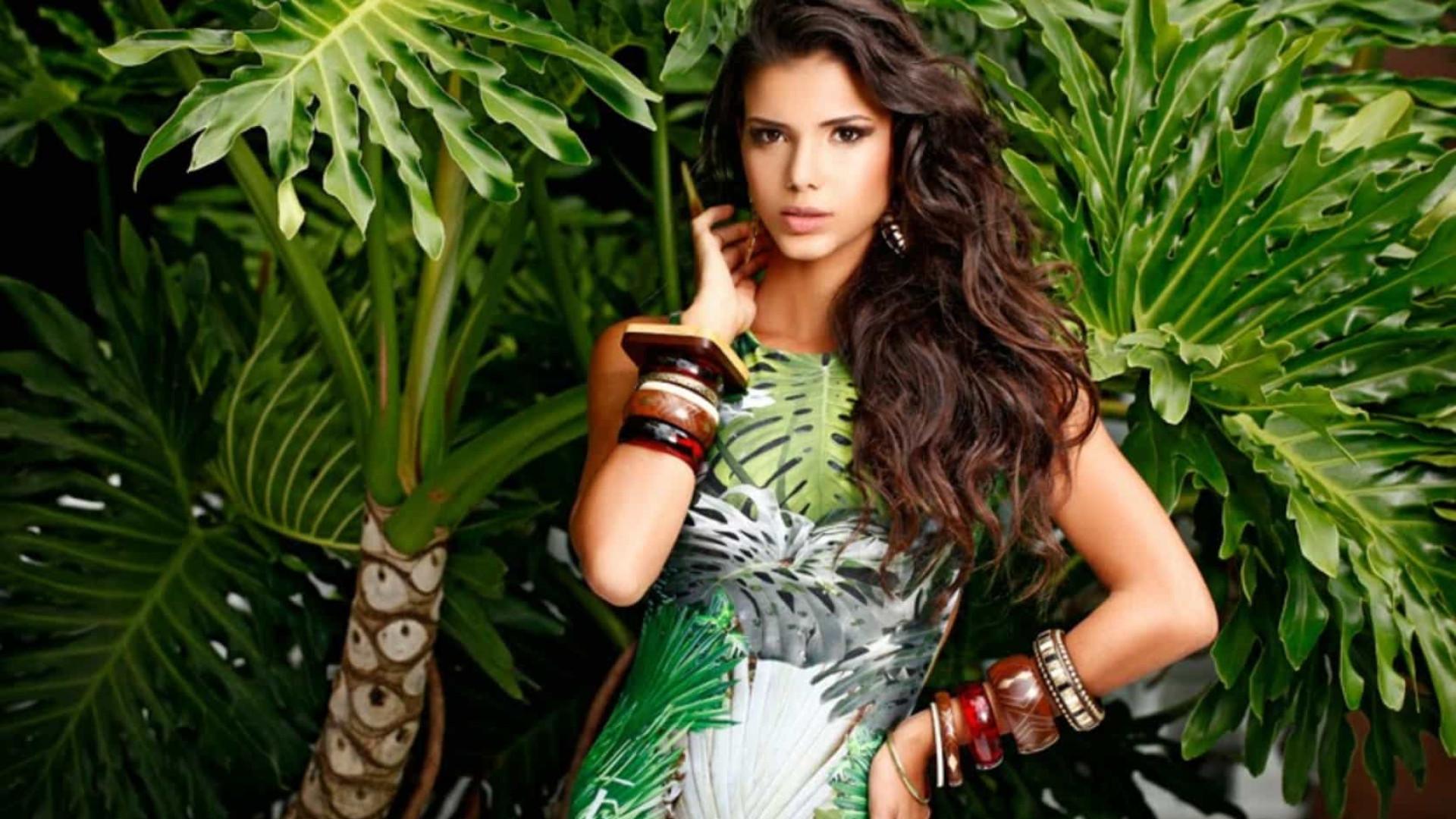 Henri Castelli está namorando Miss Brasil 2013