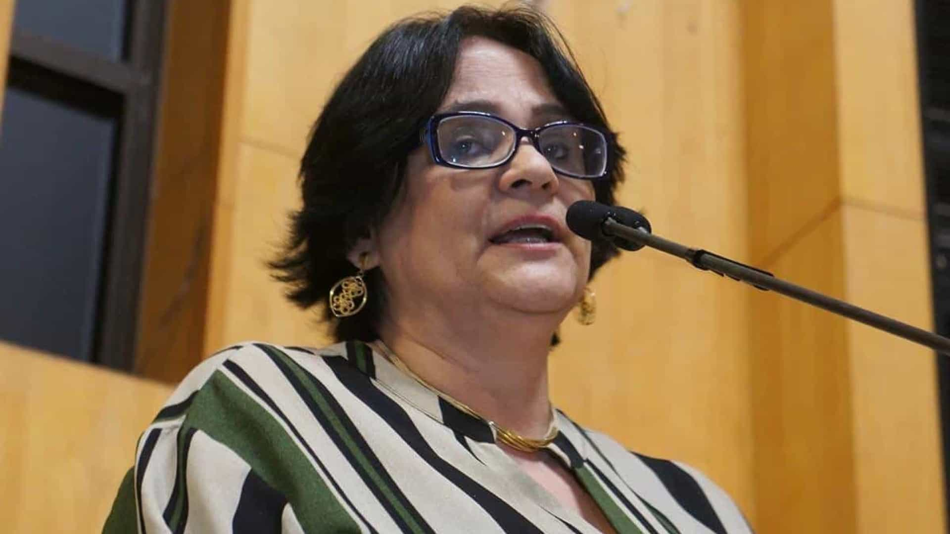 Governo 'zera' repasses a programa de combate à violência contra mulher