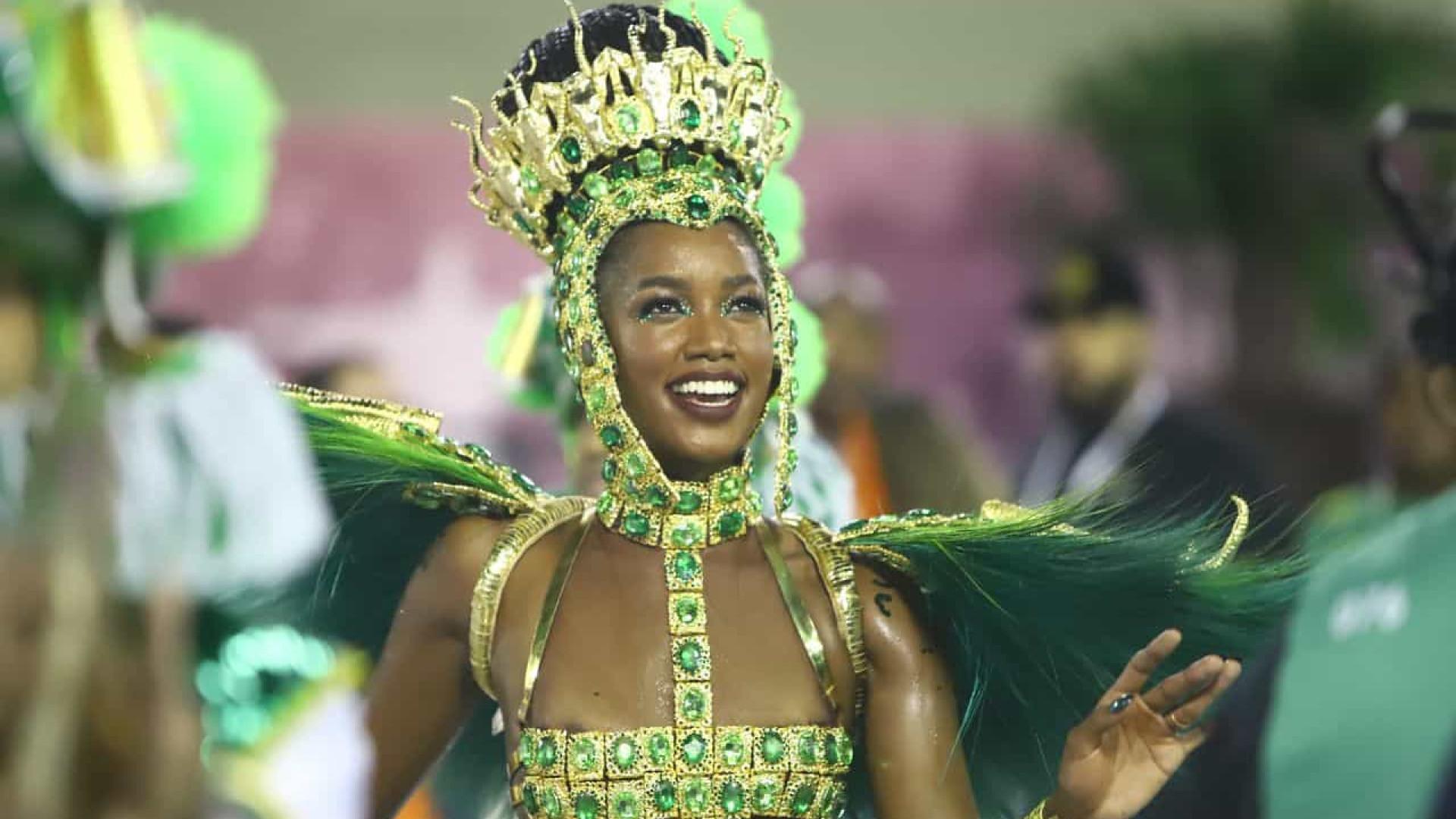 Iza surge deslumbrante no Rio; veja os destaques do Carnaval