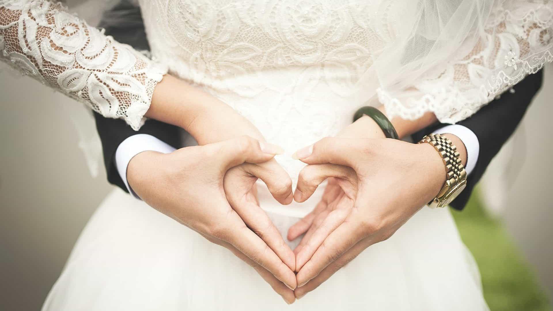 Confinados, casais lutam contra dificuldades da hiperconvivência
