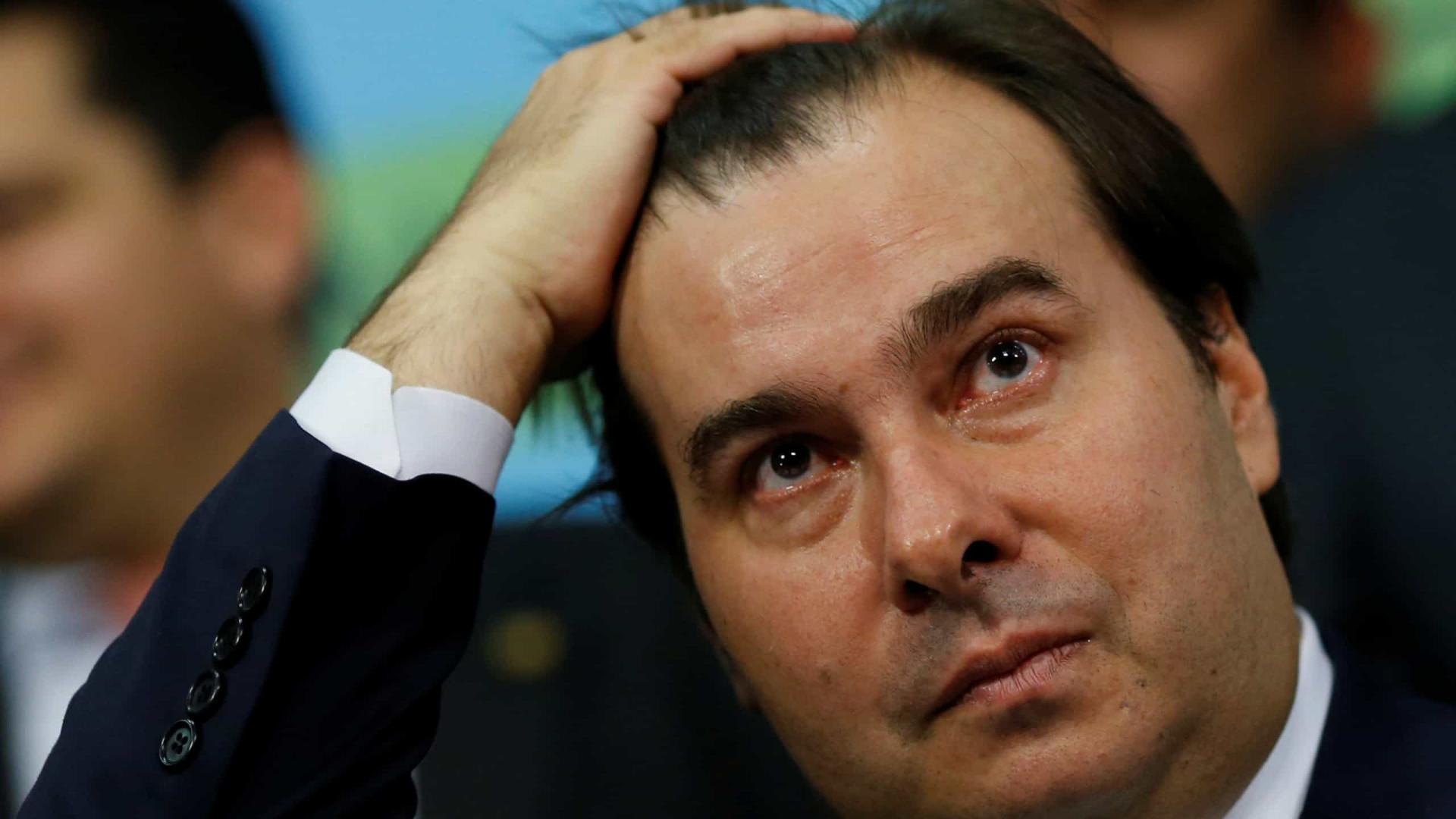 """Pronunciamento de Bolsonaro foi """"equivocado"""", diz Maia"""