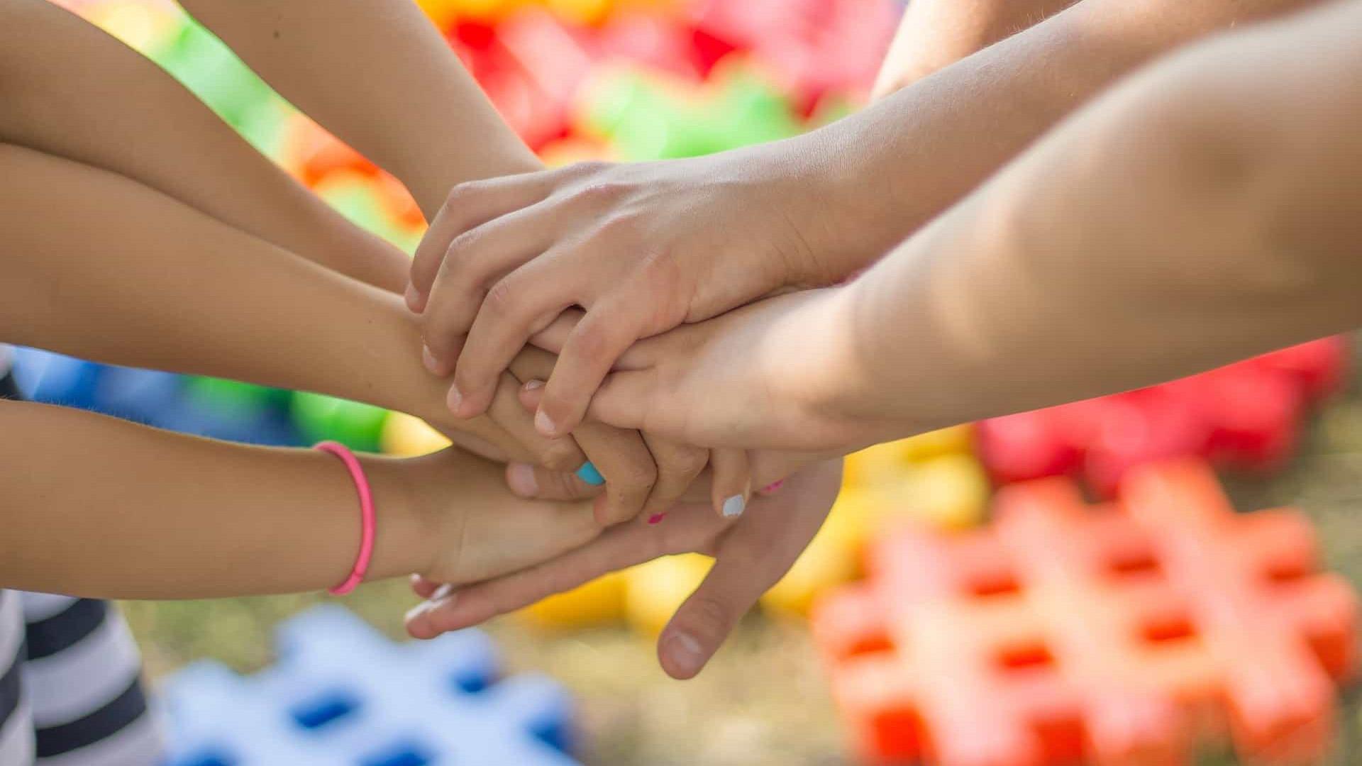 Veja como ficar atento à saúde mental das crianças durante o isolamento