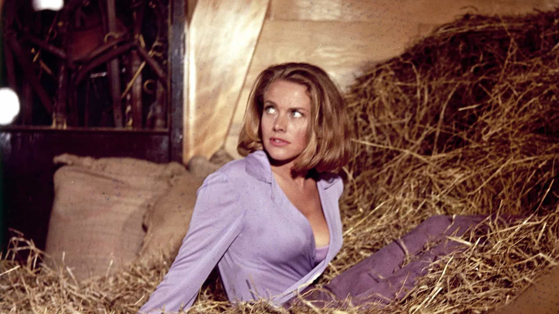 Honor Blackman, a famosa 'Pussy Galore' de 007, morre aos 94 anos