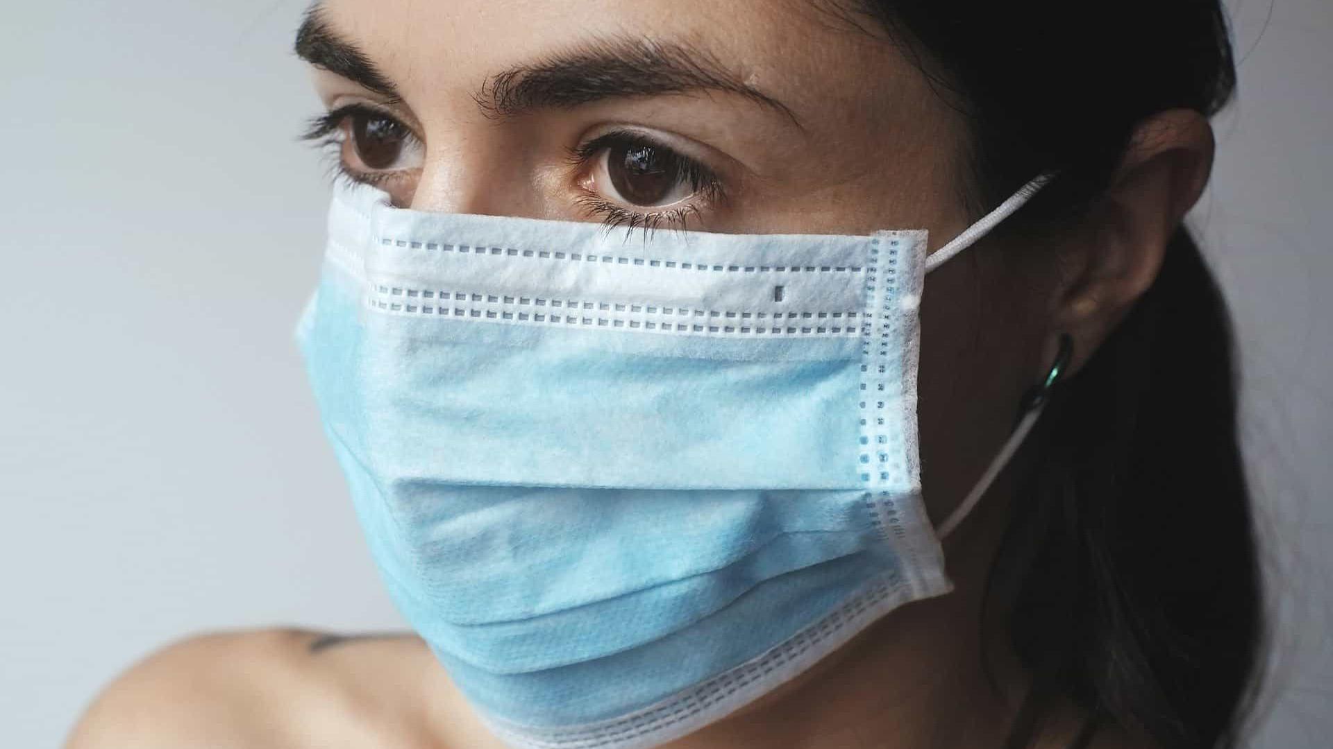 Pacientes curados relatam tensão e dor