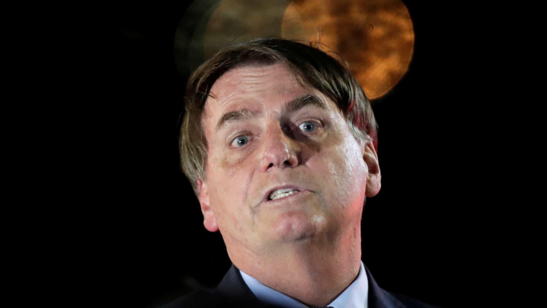 Bolsonaro posta vídeo que critica Mandetta e Doria e ataca isolamento