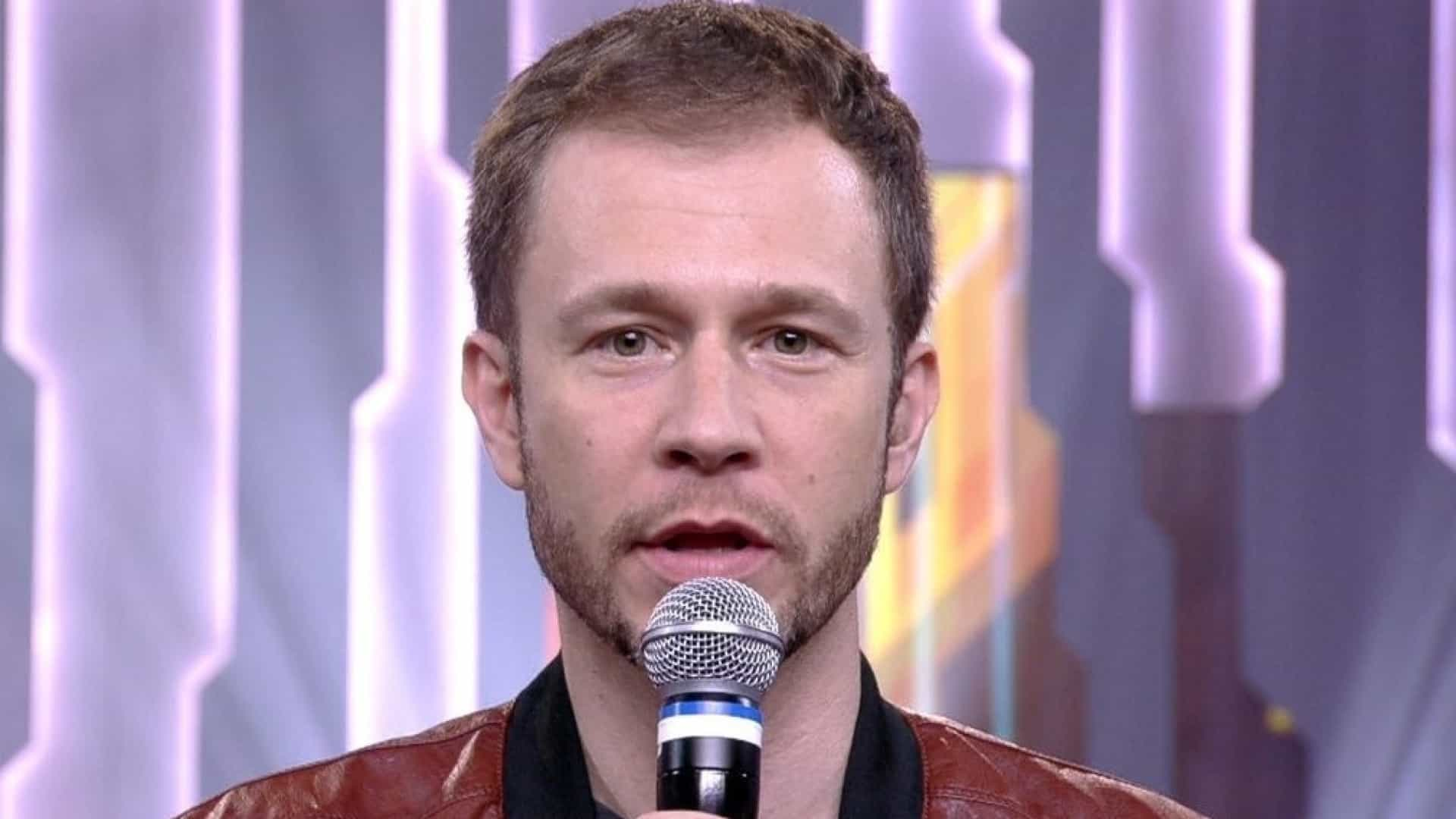 Tiago Leifert diz que pai não tem motivos para perseguir Gusttavo Lima