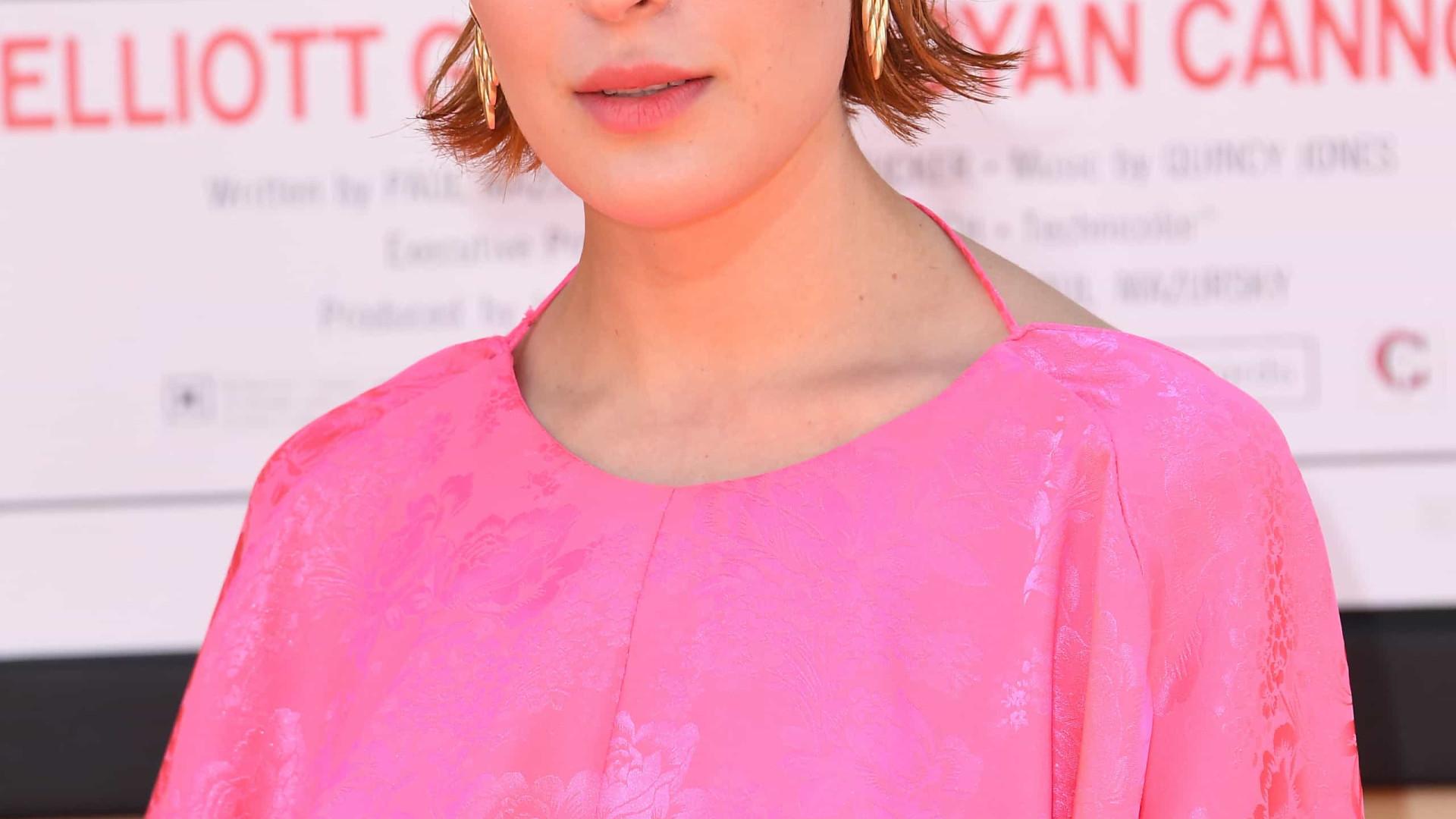 Filha de Bruce Willis e Demi Moore posa completamente nua
