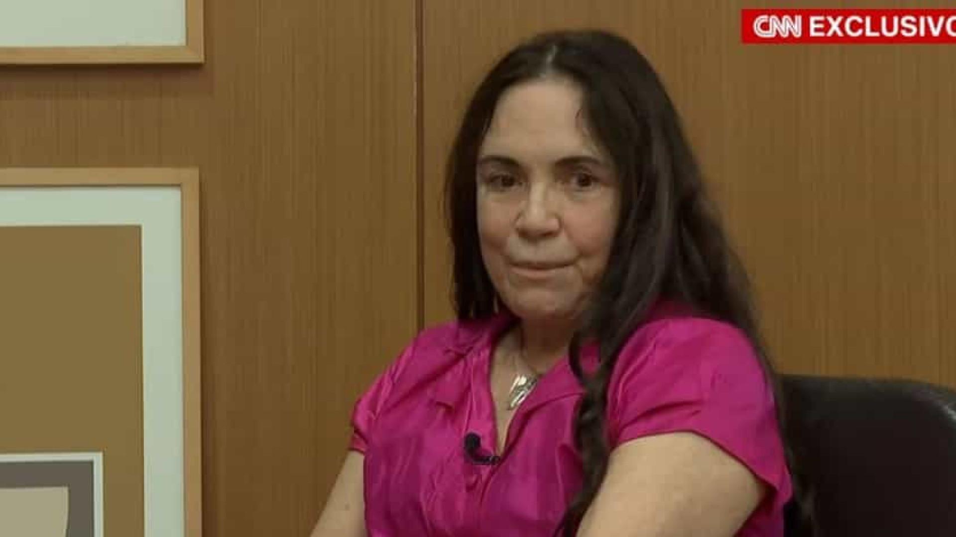 Em entrevista, Regina Duarte dá chilique e canta música da ditadura