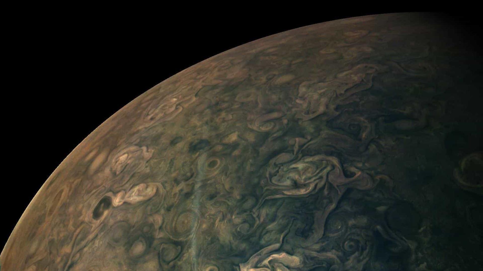 NASA compartilha novas imagens de Júpiter