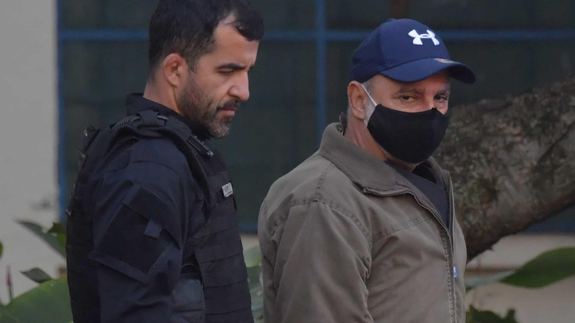 Defesa apresenta novo pedido de liberdade para Queiroz