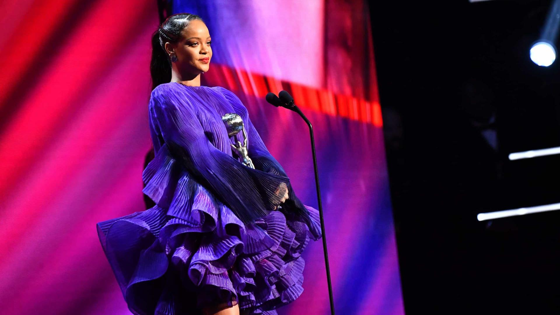 Rihanna anuncia expansão da marca FENTY
