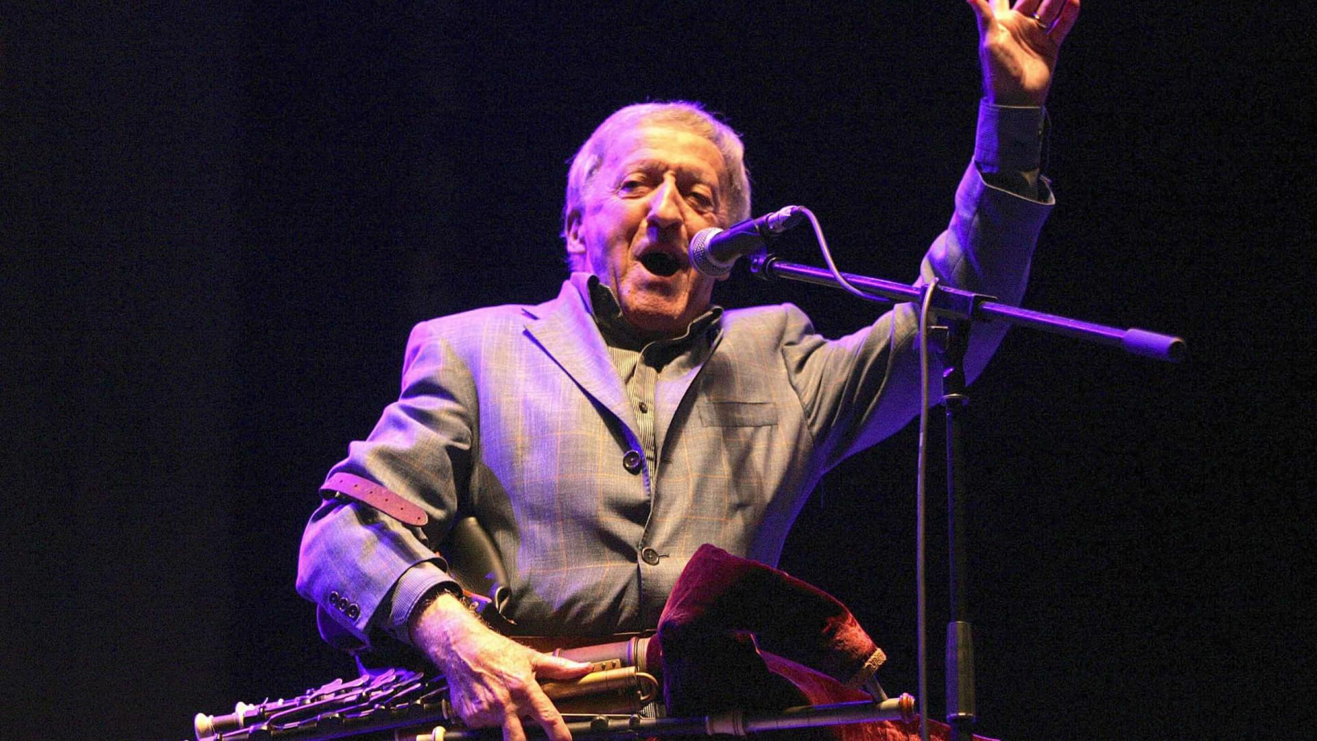 Paddy Moloney, líder da banda The Chieftains, morre aos 83 anos