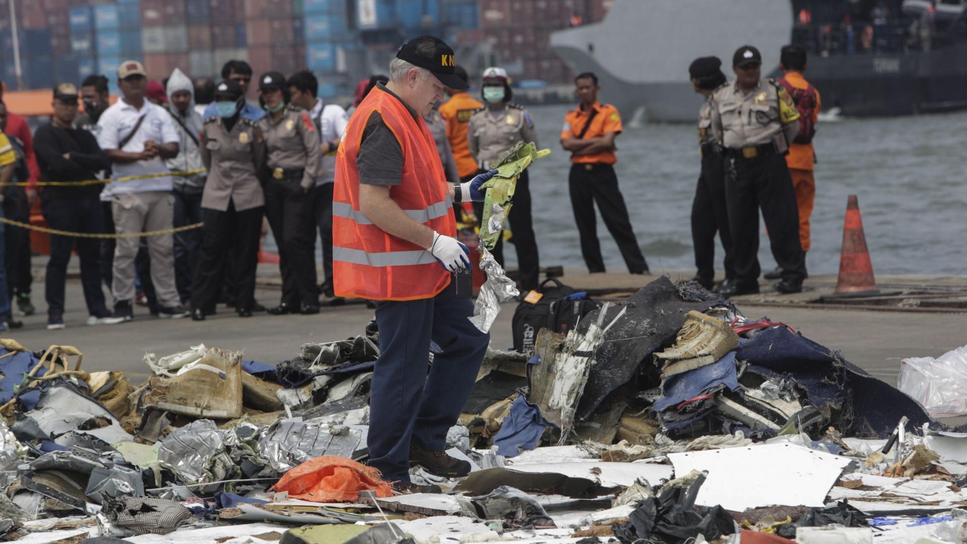 Indonésia encontra segunda caixa-preta de avião que caiu em outubro