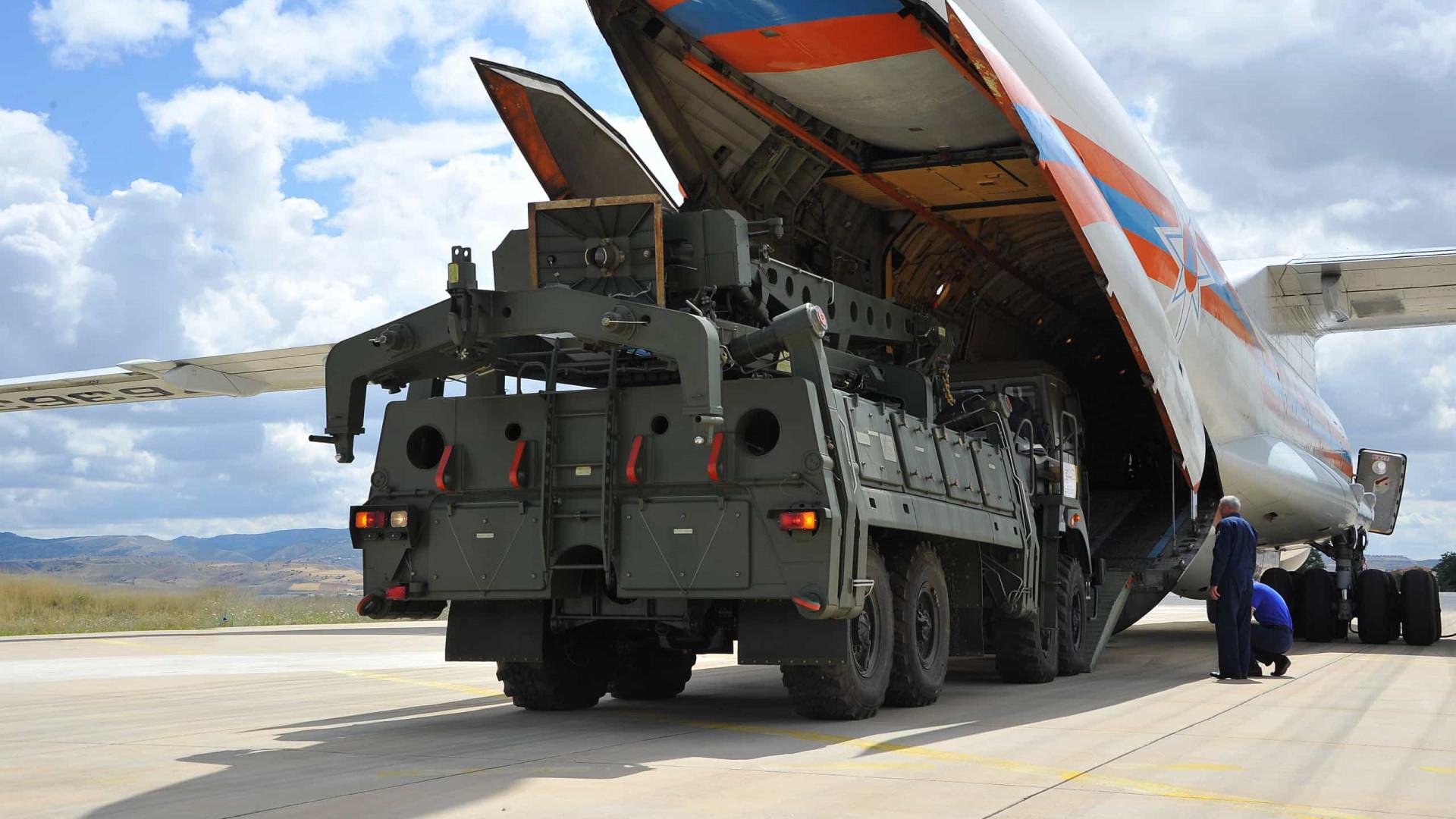 Turquia ativará sistema de mísseis russo, reitera Ancara