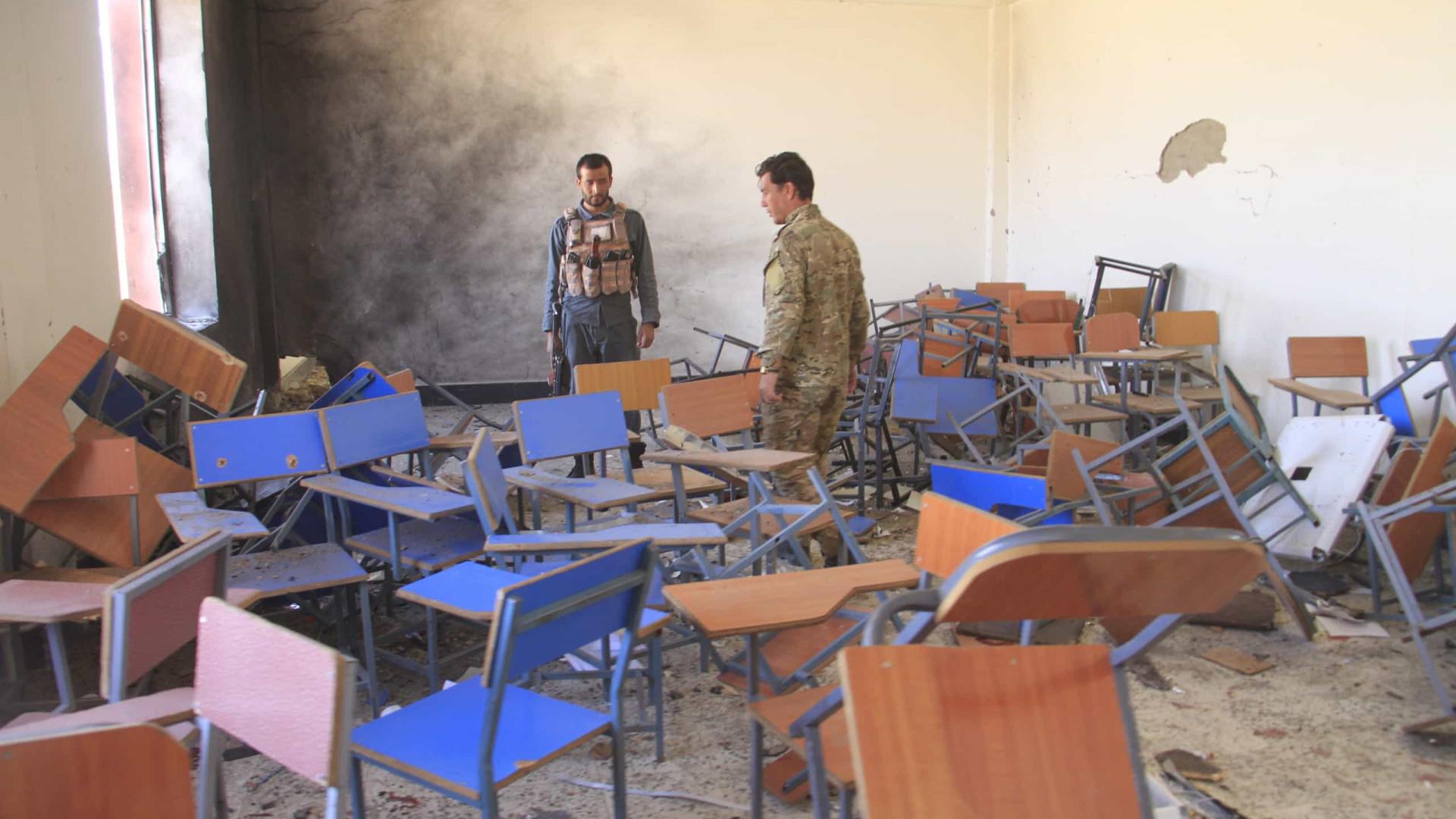 23 estudantes ficam feridos em ataque a bomba em universidade afegã