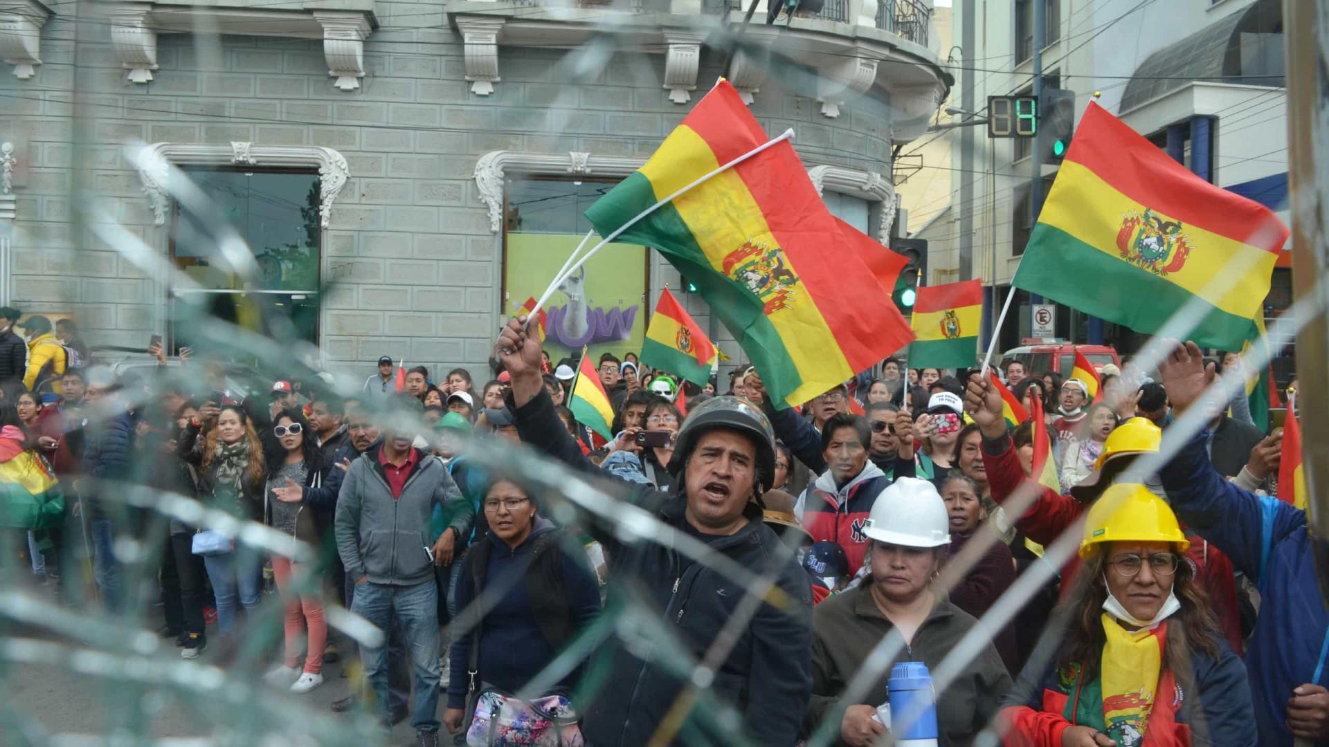 Dois ministros e presidente da assembleia demitem-se na Bolívia