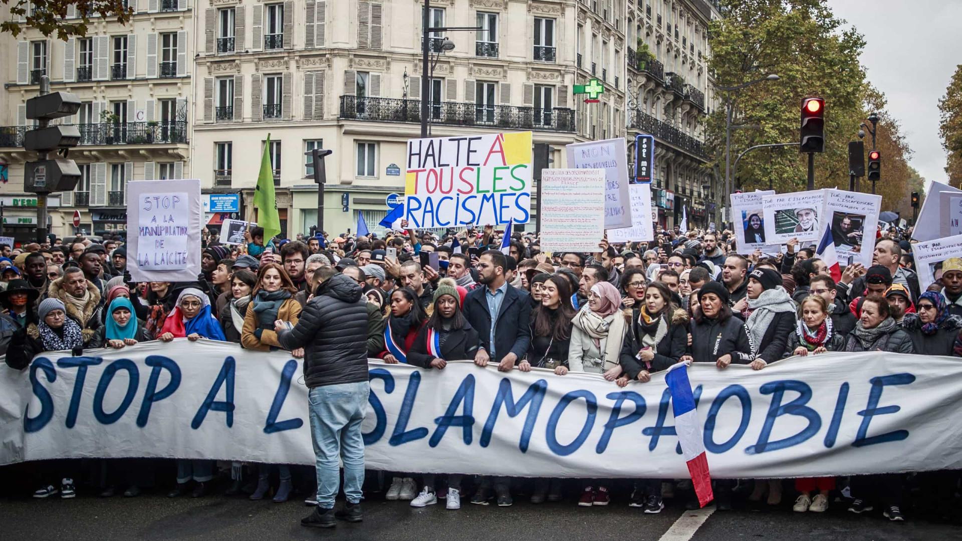 Milhares participaram em Paris numa marcha contra a islamofobia