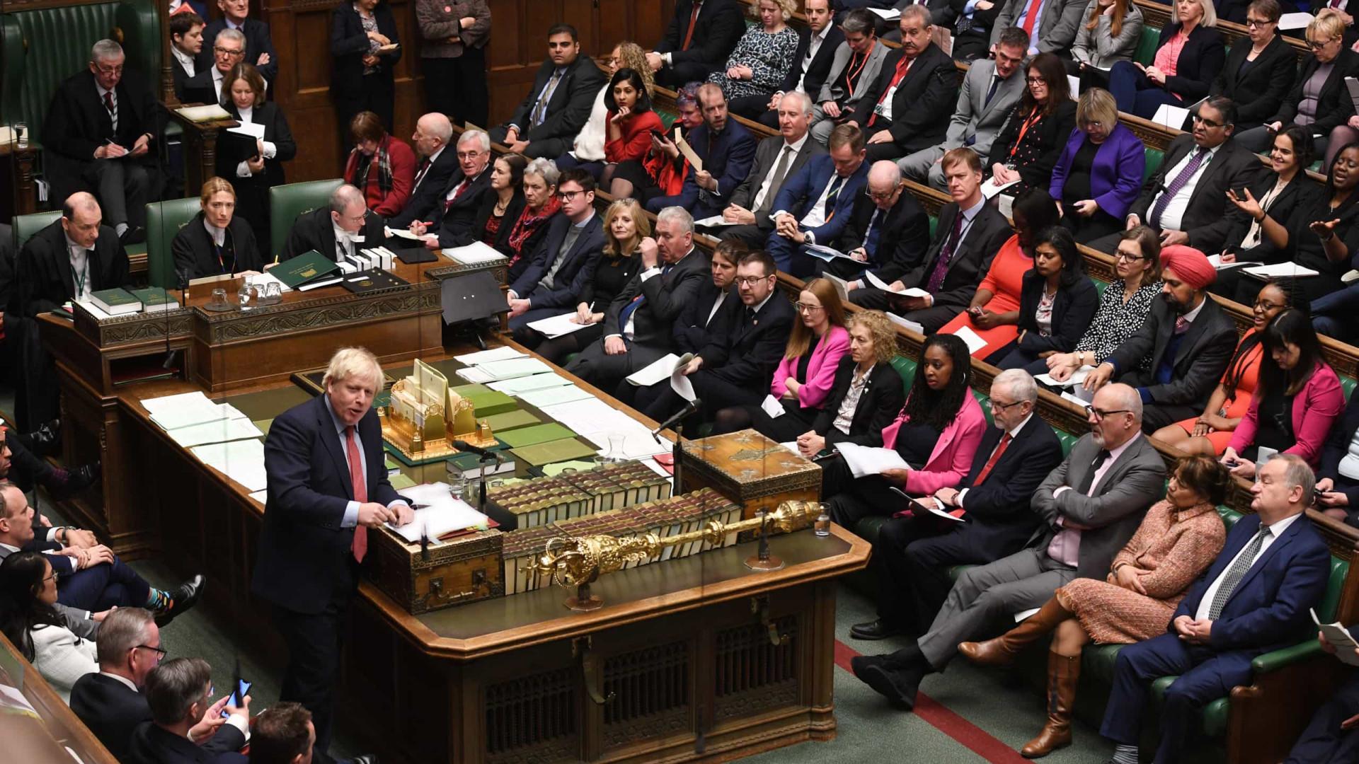 Parlamento britânico aprova legislação para sair em 31 de janeiro
