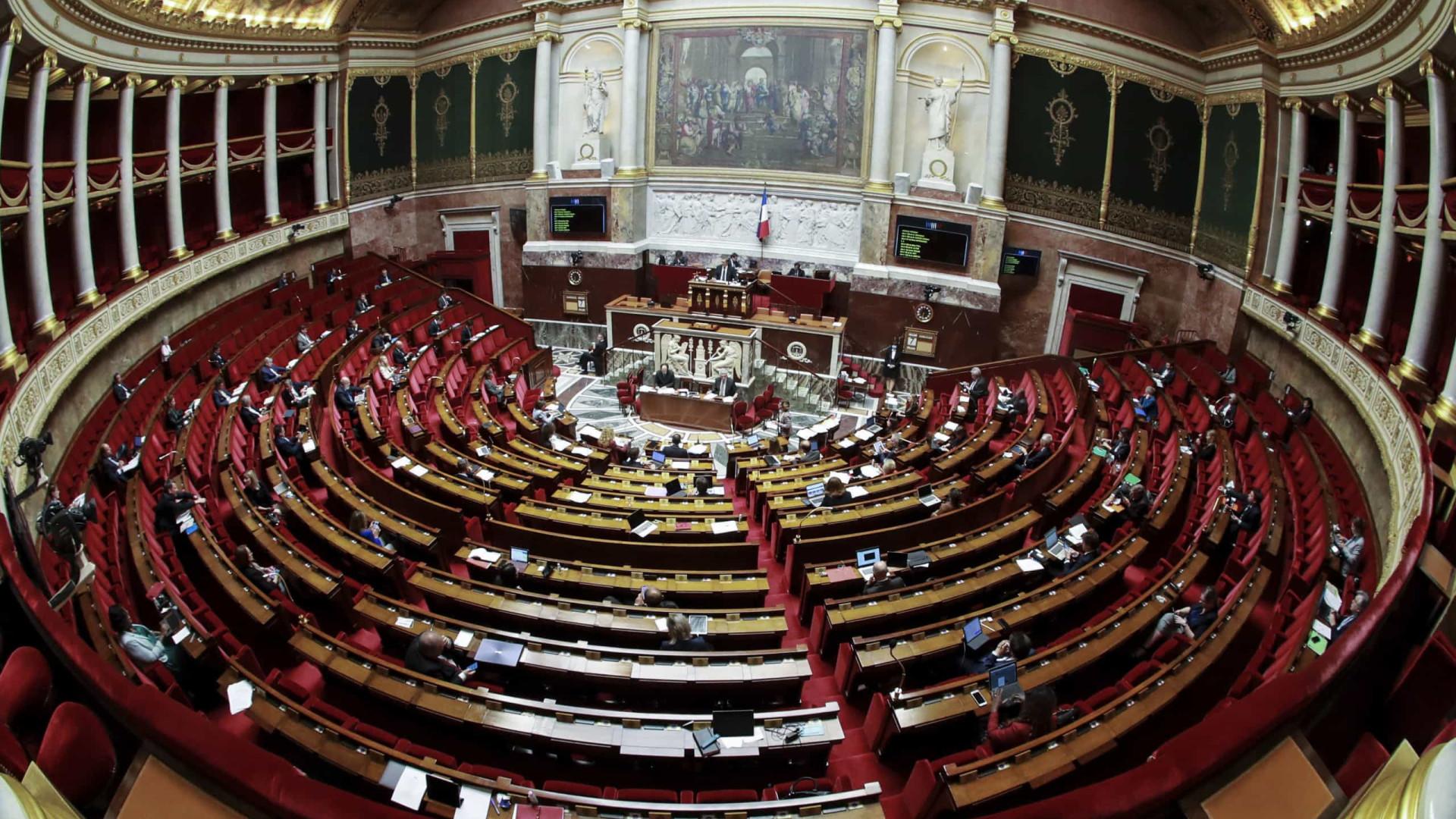 França prolonga estado de emergência sanitária até 10 de julho