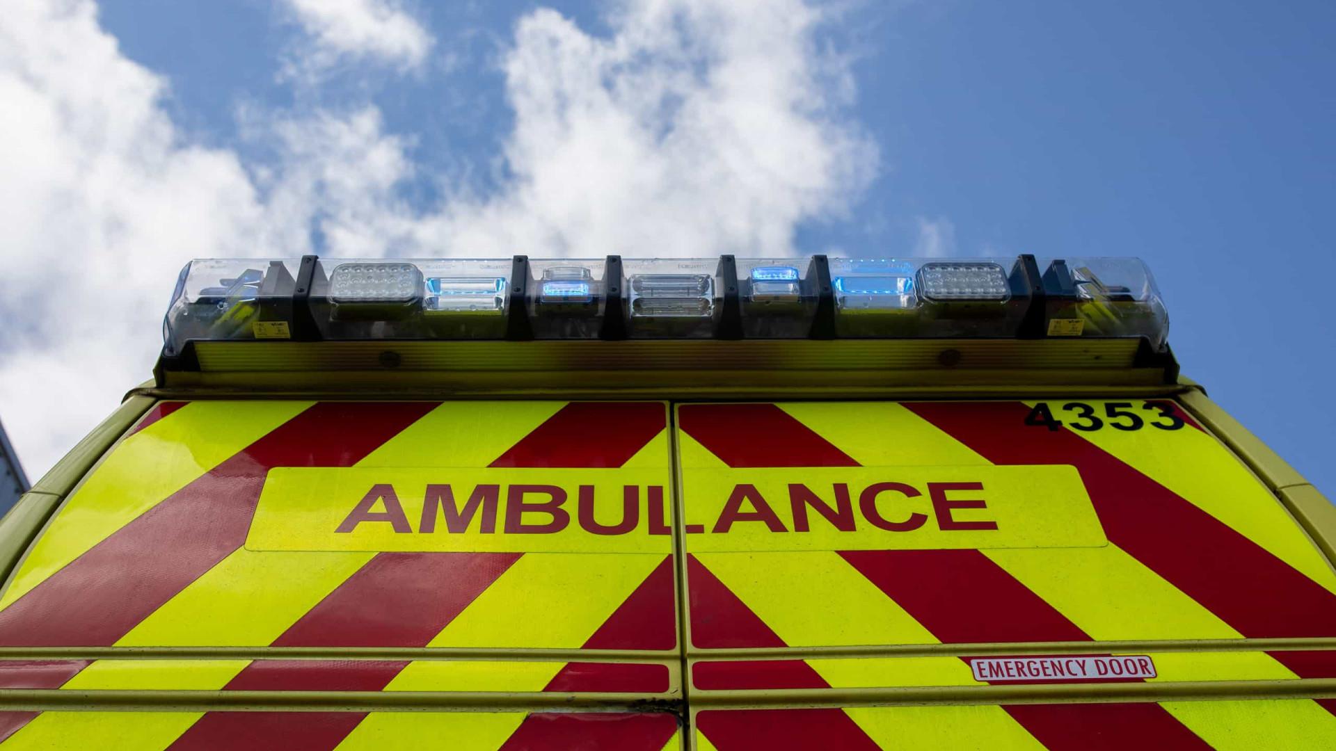 Grande explosão em Bristol deixa mortos e feridos