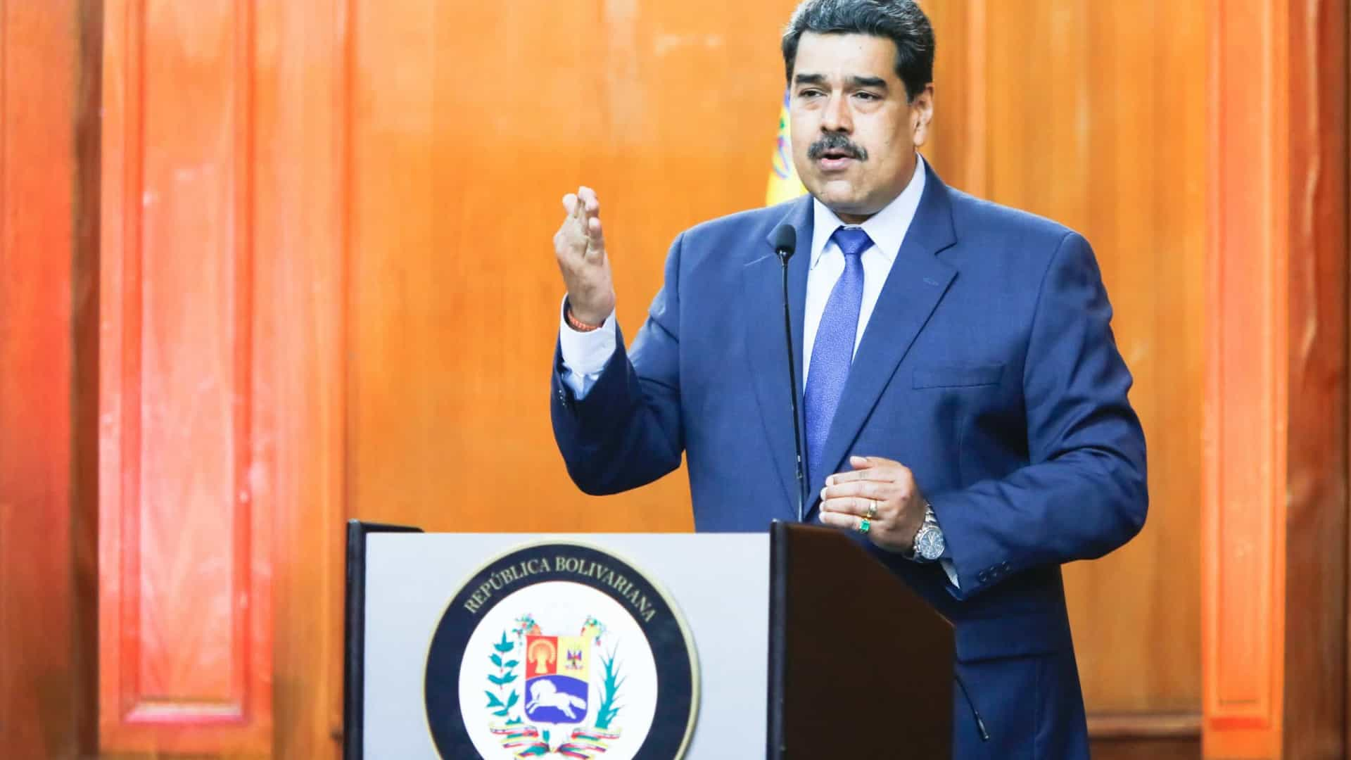 Maduro acusa embaixador espanhol de conspiração em golpe de Estado