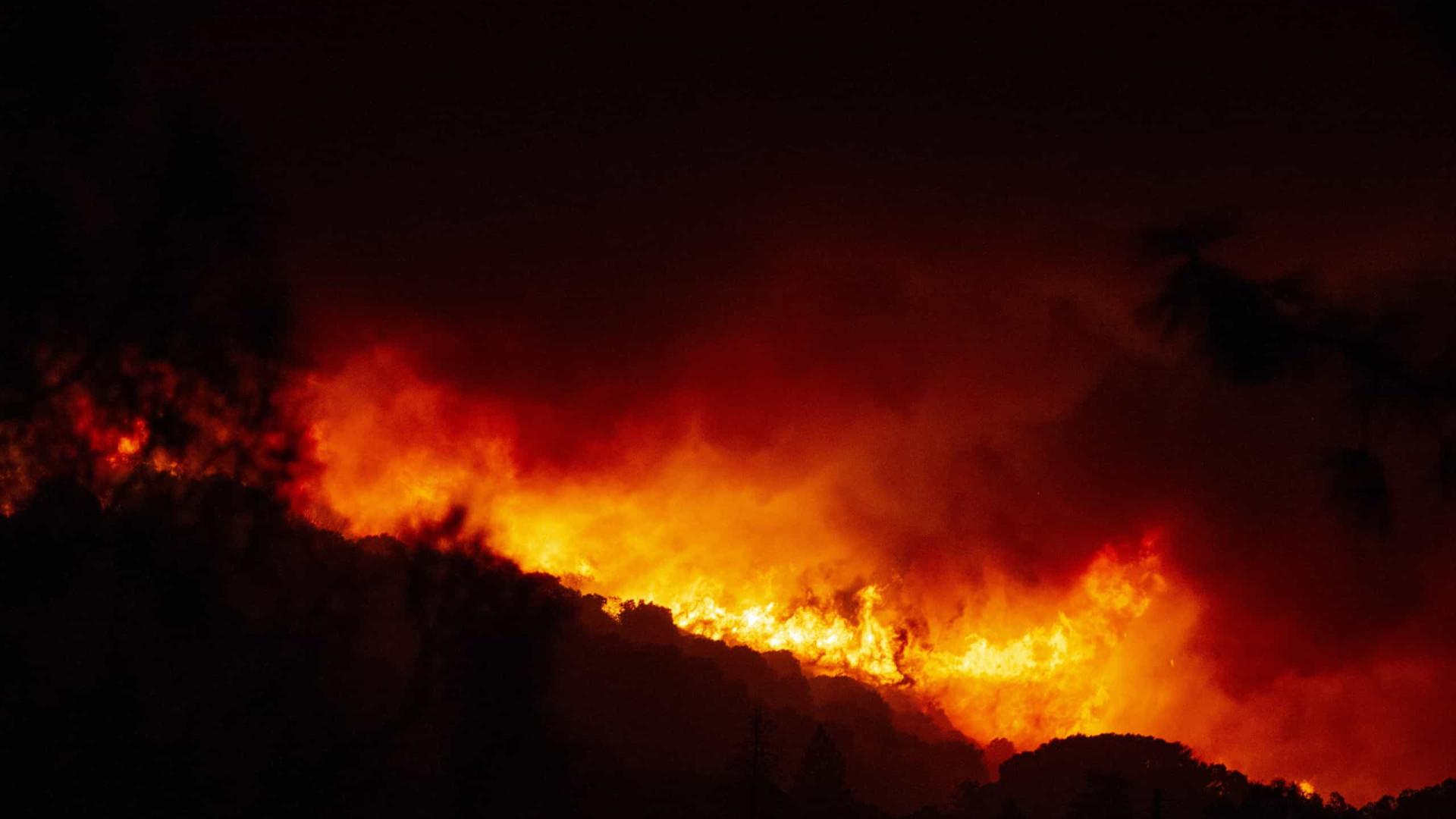 Incêndio sem precedentes no noroeste dos EUA faz pelo menos 6 mortos
