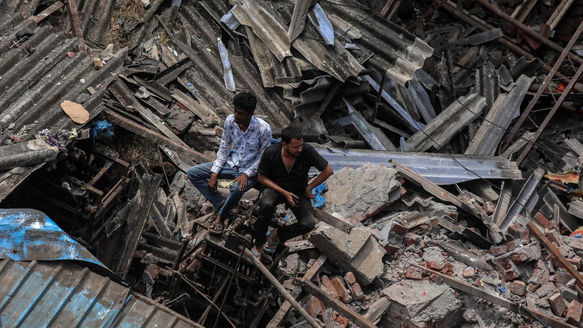 Desabamento de prédio na Índia deixa 41 mortos