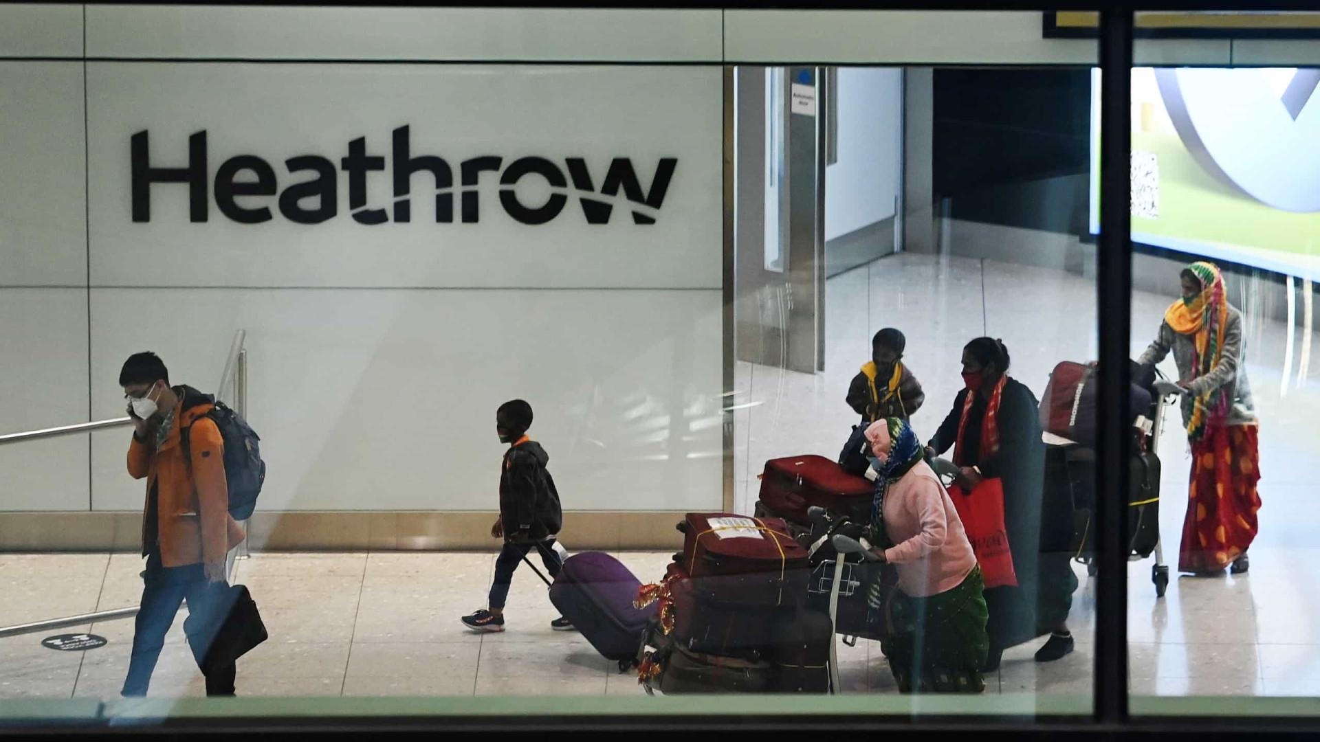 Reino Unido proíbe viagens ao estrangeiro pelo menos até 17 de maio