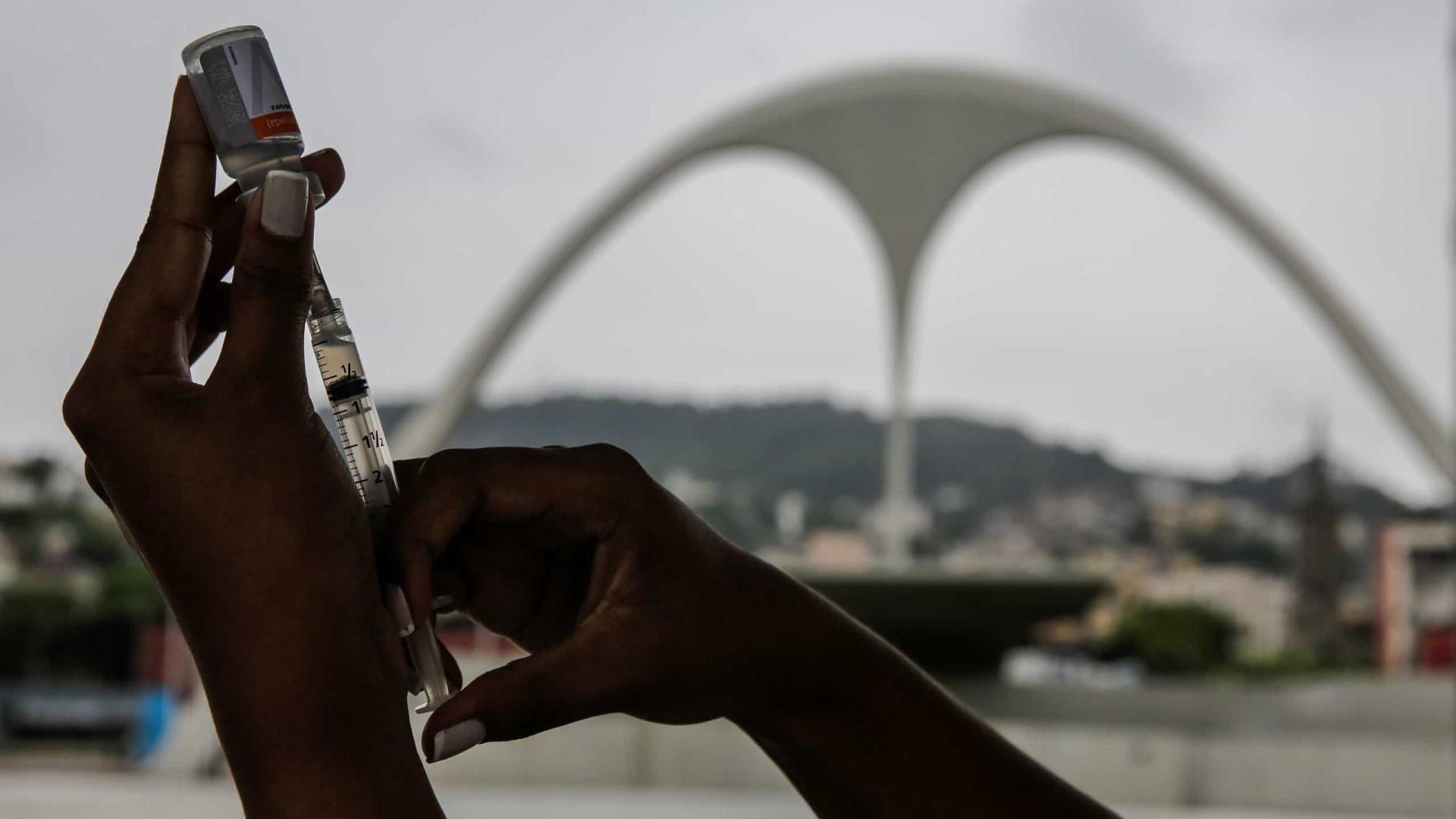 Falta de doses atrasa vacinação no Brasil