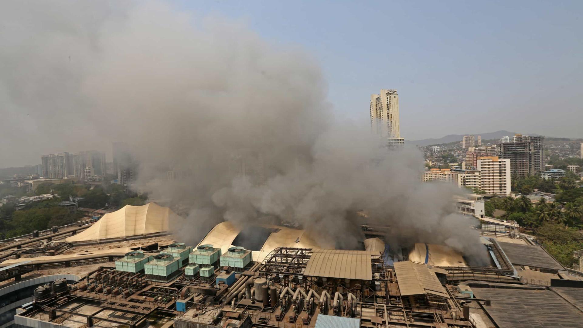 Dez pessoas morrem durante incêndio em hospital na Índia