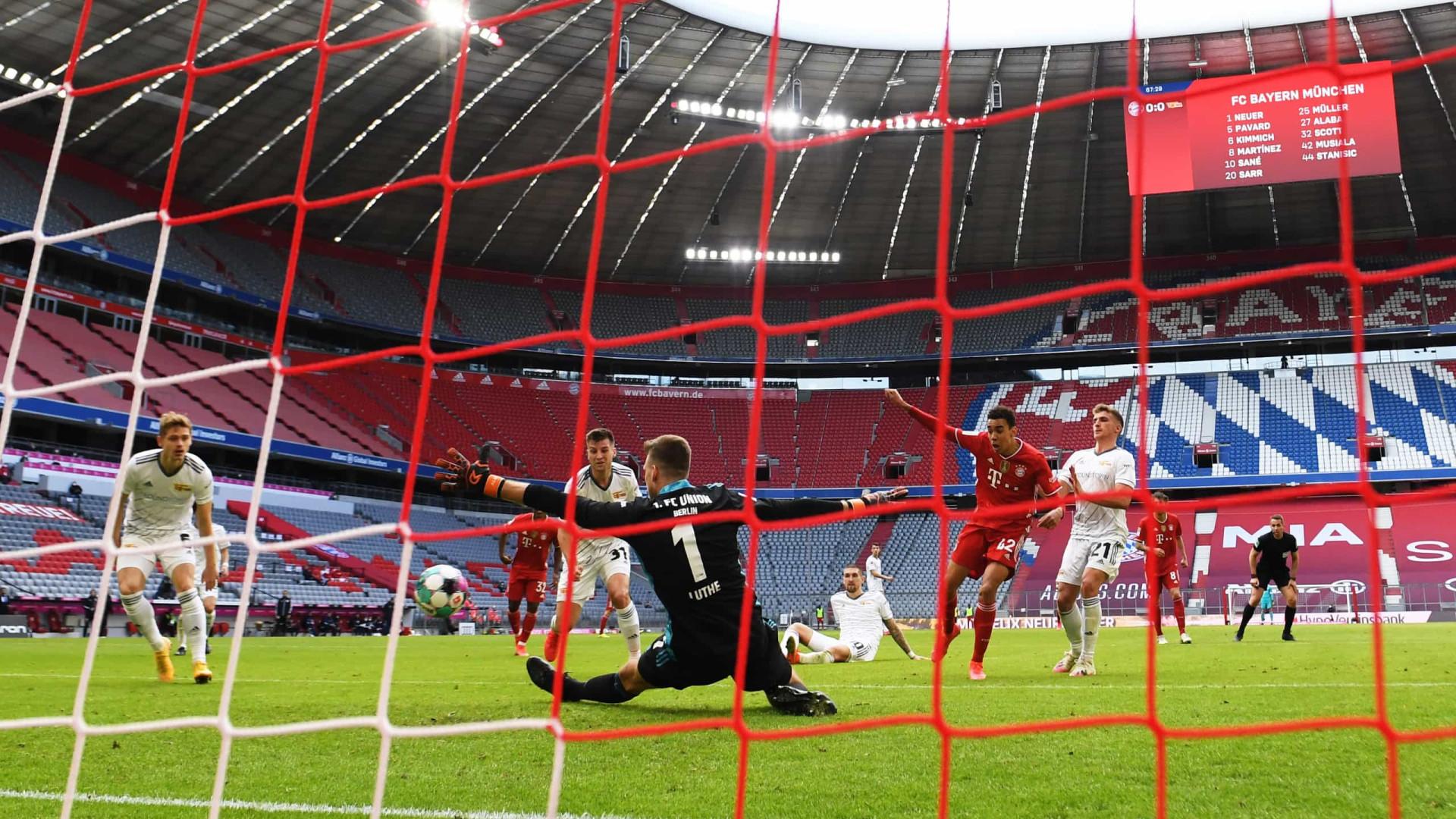 Antes de decisão na Liga dos Campeões, Bayern de Munique tropeça no Alemão