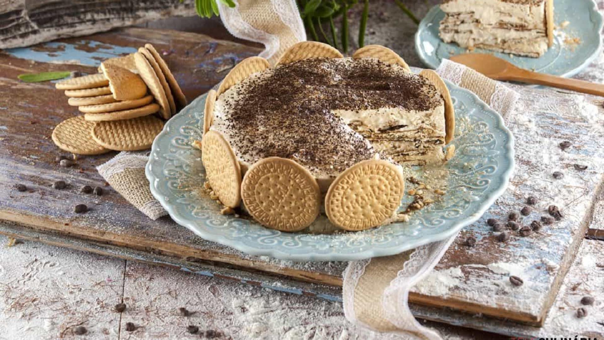 Aprenda fazer uma deliciosa Torta de bolacha com creme de leite