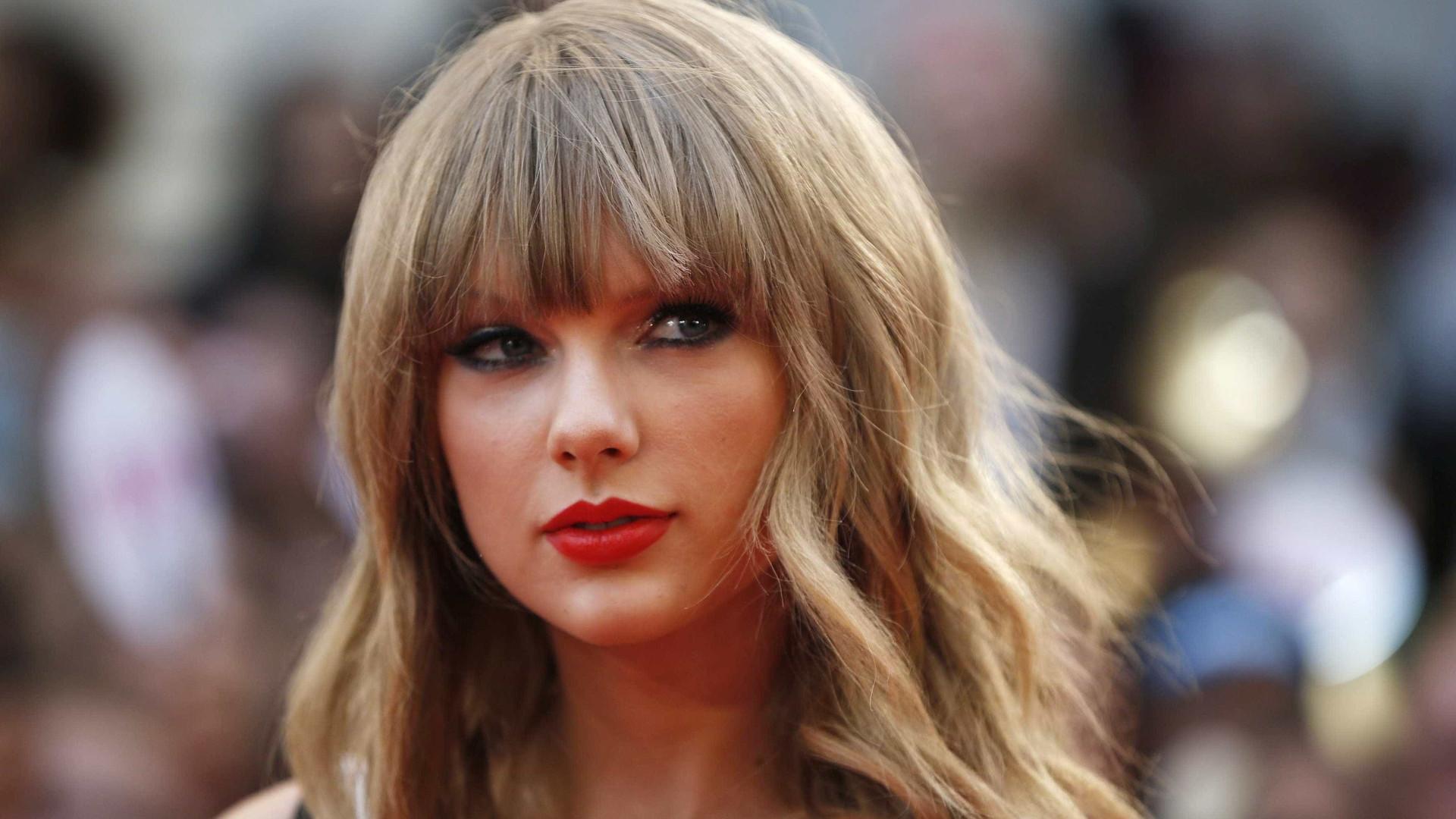 Após denuncia de plágio, Taylor Swift muda logo de novo álbum, Folklore
