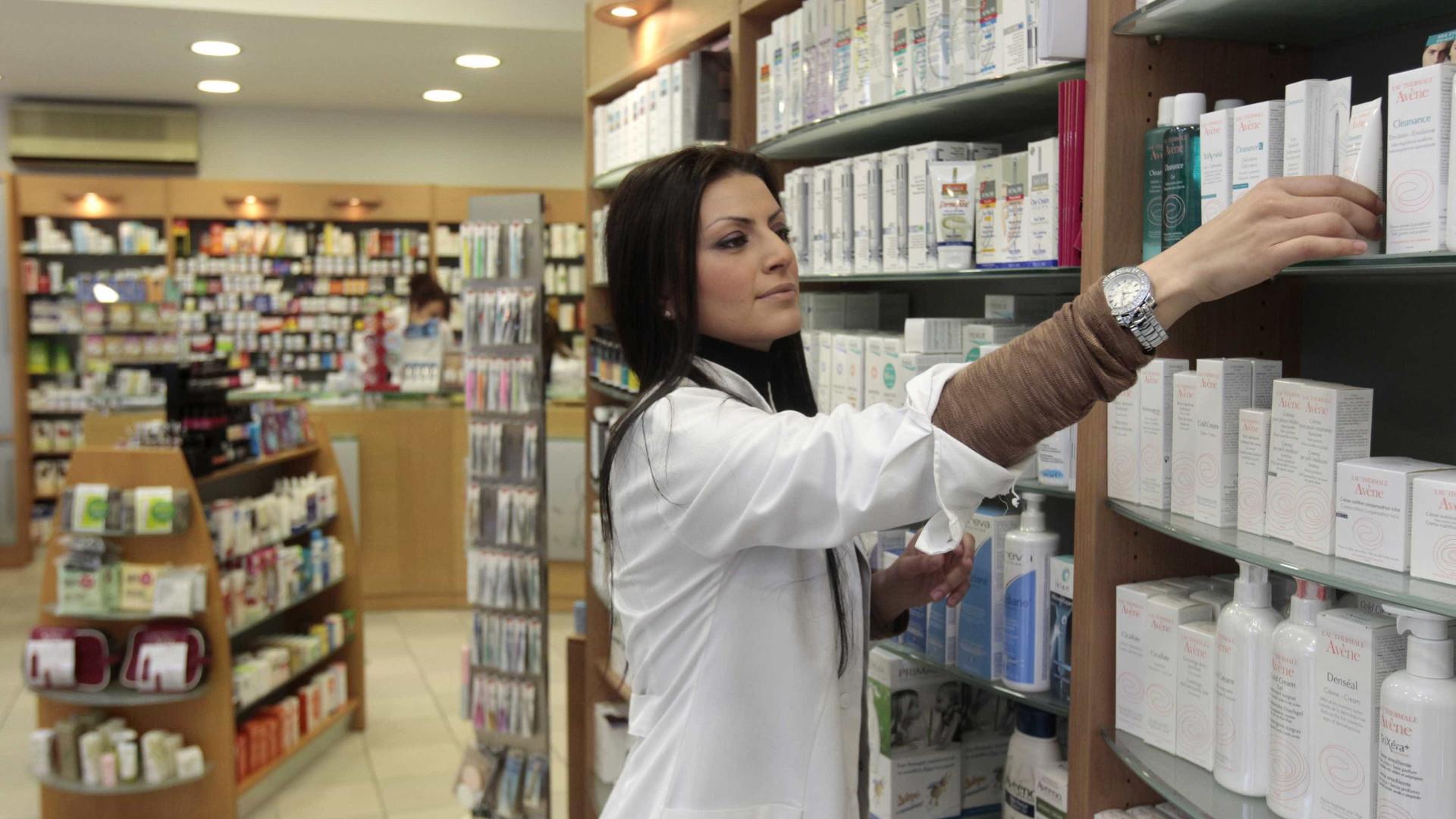 Saiba como conseguir descontos em remédios após alta nos preços