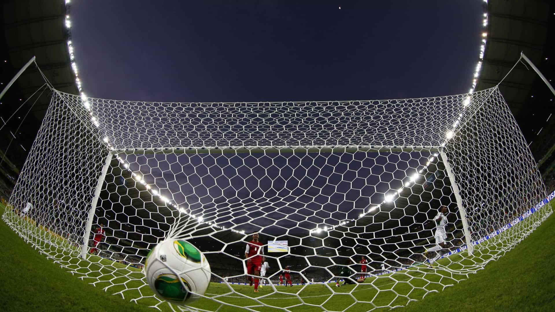 Recorde, domínio inglês e Brasil discreto marcam fim das transferências