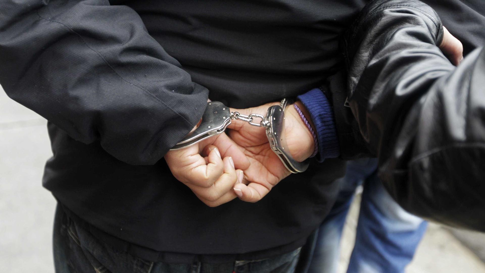 Polícia prende suspeito de estupro coletivo de menina de 12 anos