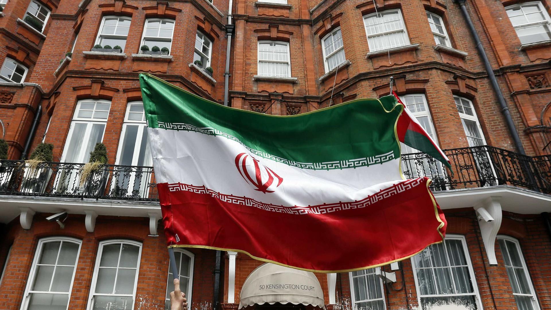 Reino Unido convoca embaixador do Irã para explicar prisão de britânico