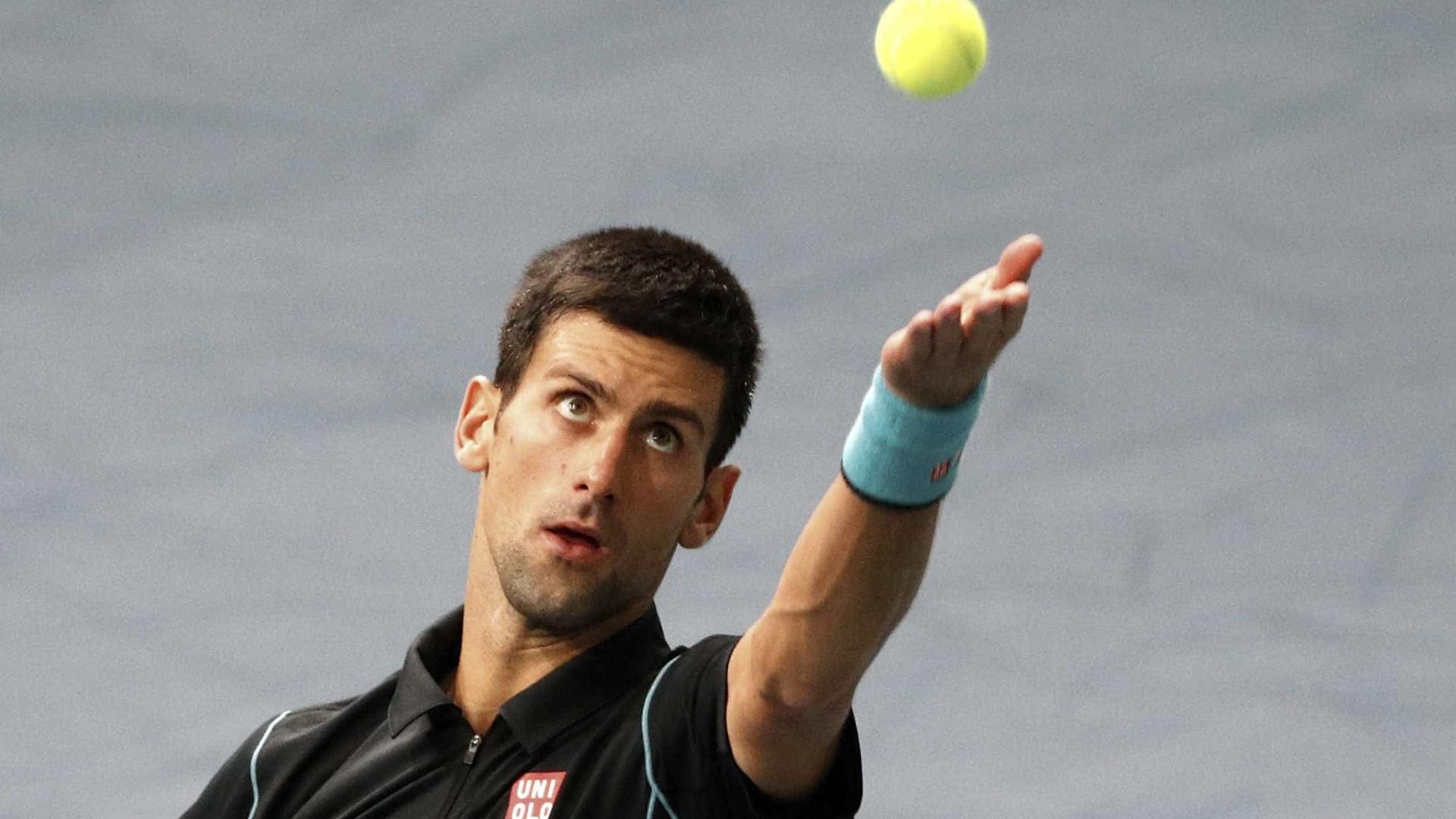 Djokovic faz 33 anos e anuncia torneio beneficente de tênis em junho