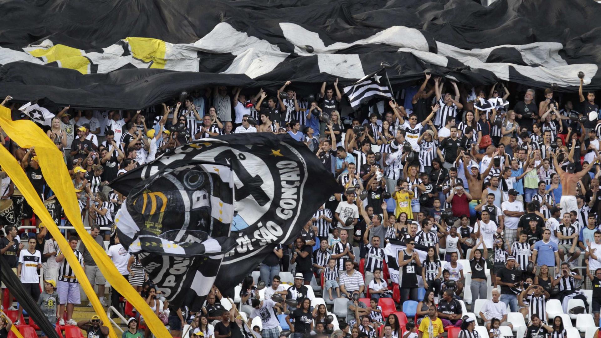 Edílson pede 'entrega máxima' no Botafogo por G4