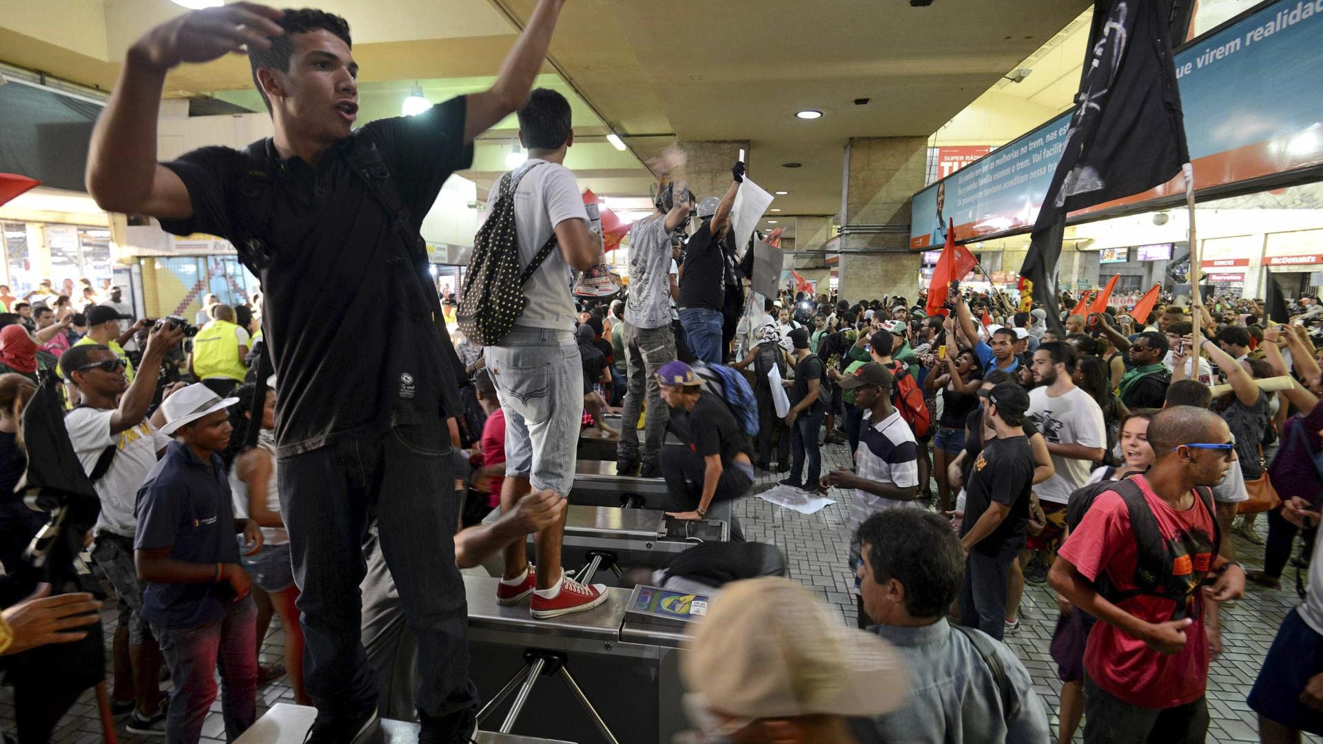 Sem-teto fazem manifestação no centro de São Paulo