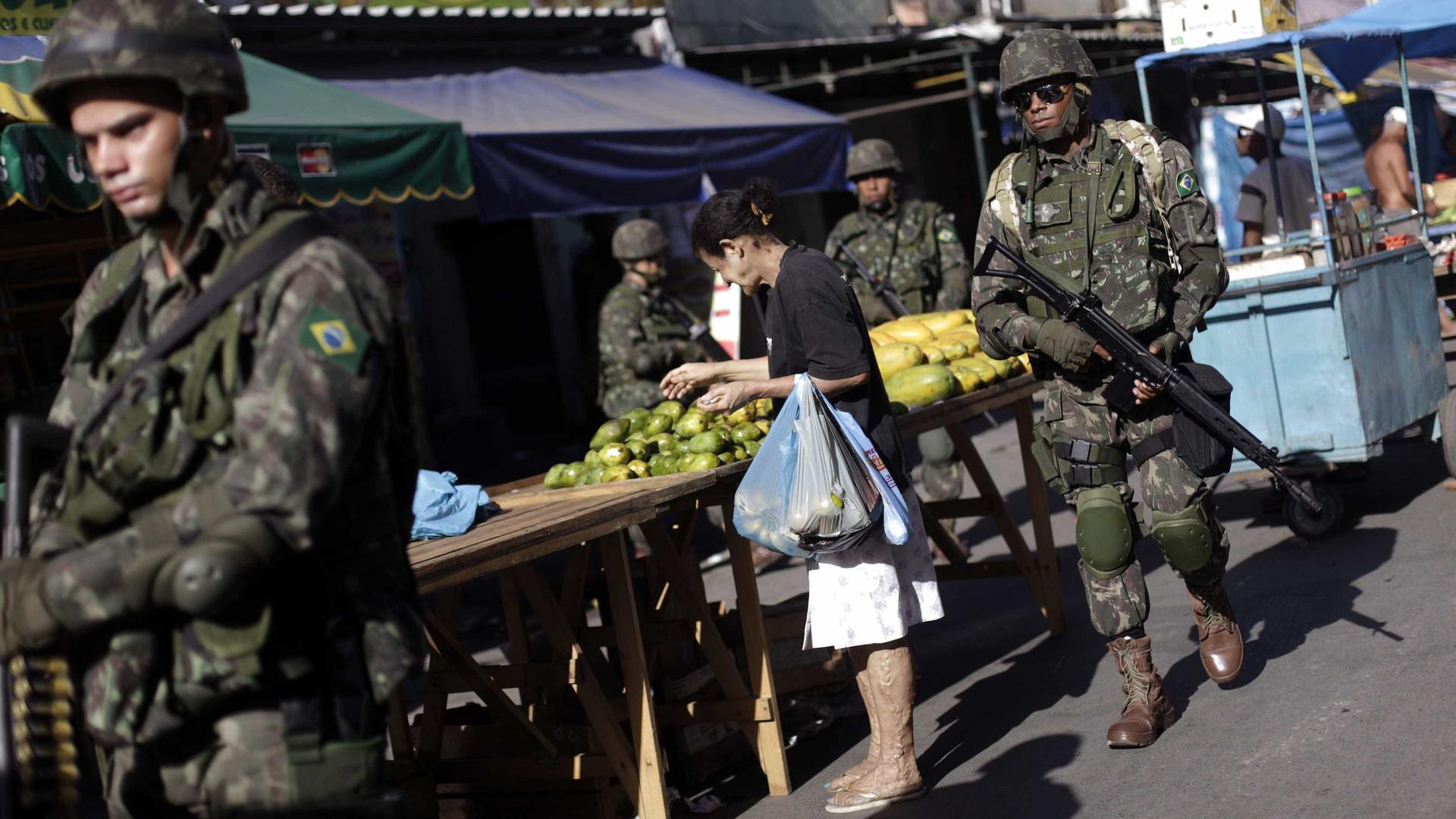 Bolsonaro decide prorrogar Exército no Ceará