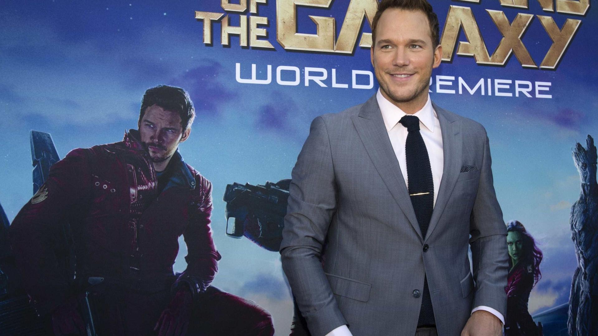 Chris Pratt assume relacionamento com filha de Arnold Schwarzenegger