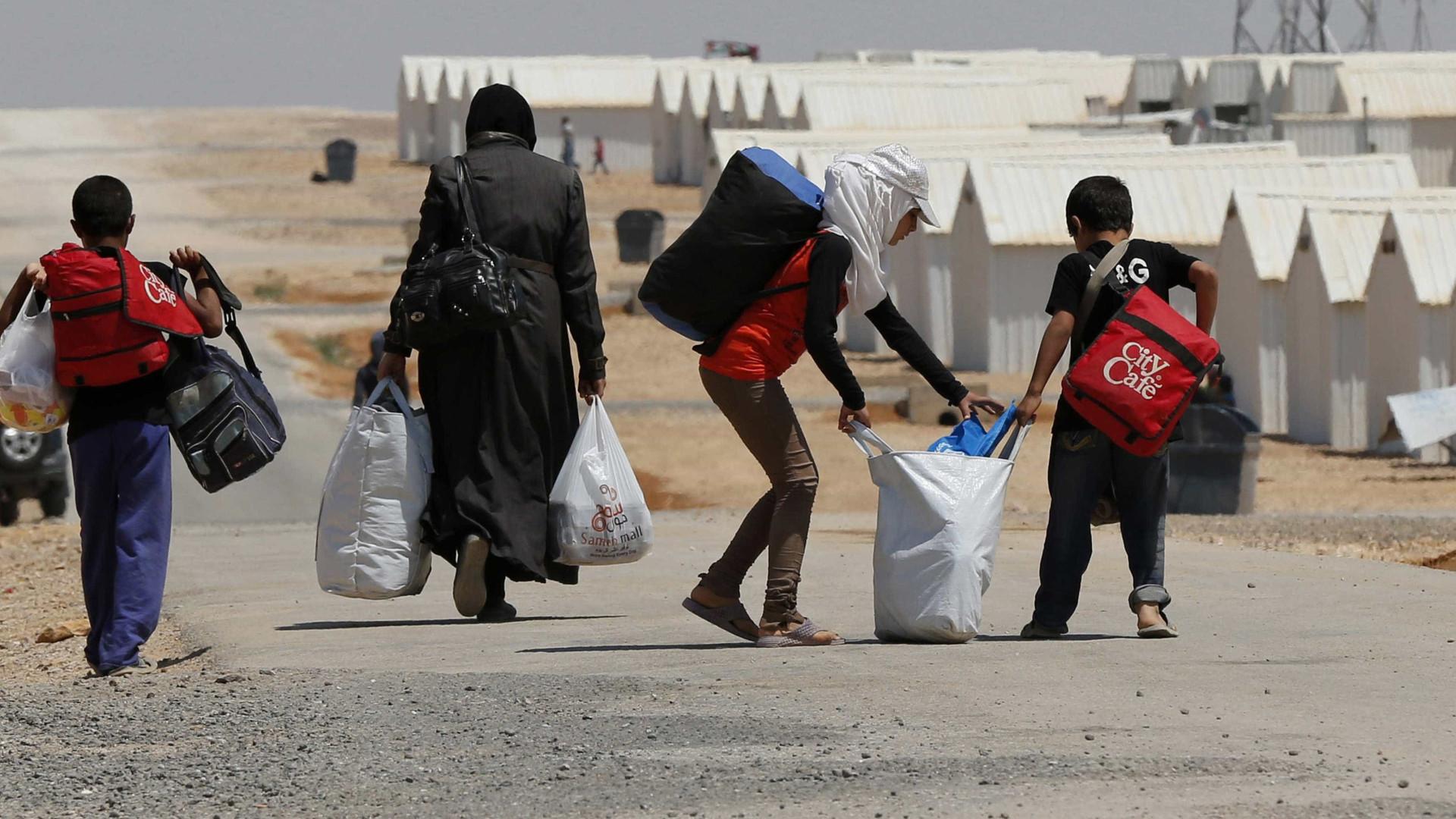 Síria: Pelo menos 384.000 mortos desde o início da guerra
