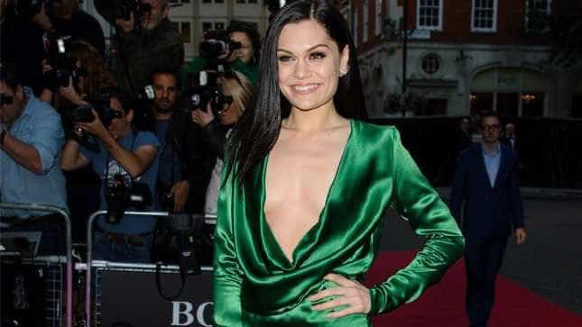 Jessie J agradeceu John Newman com jantar por 'Fire'