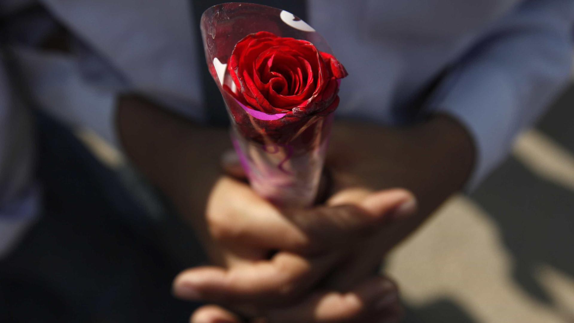 Relatório mostra que aplicativos de encontros são perigosos