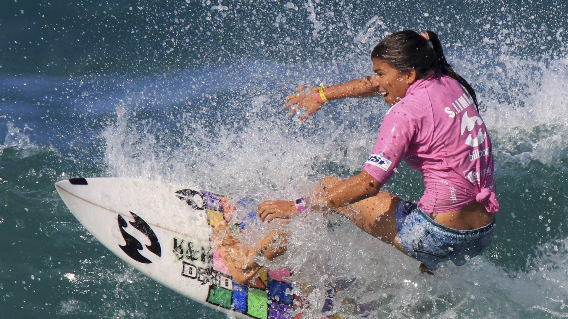 Surfista brasileira Silvana Lima garante vaga em Tóquio-2020